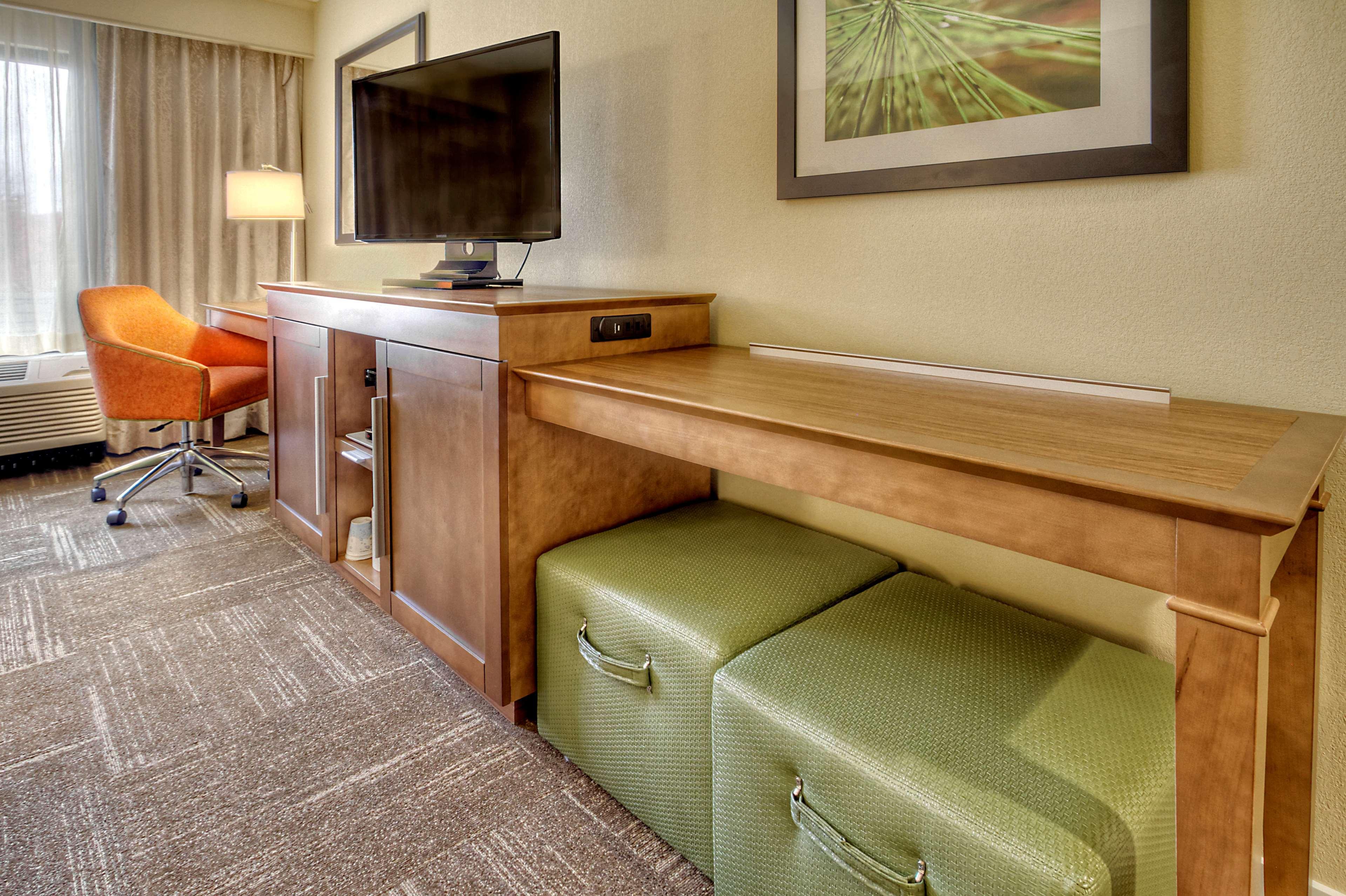 Hampton Inn & Suites Asheville-I-26 image 25
