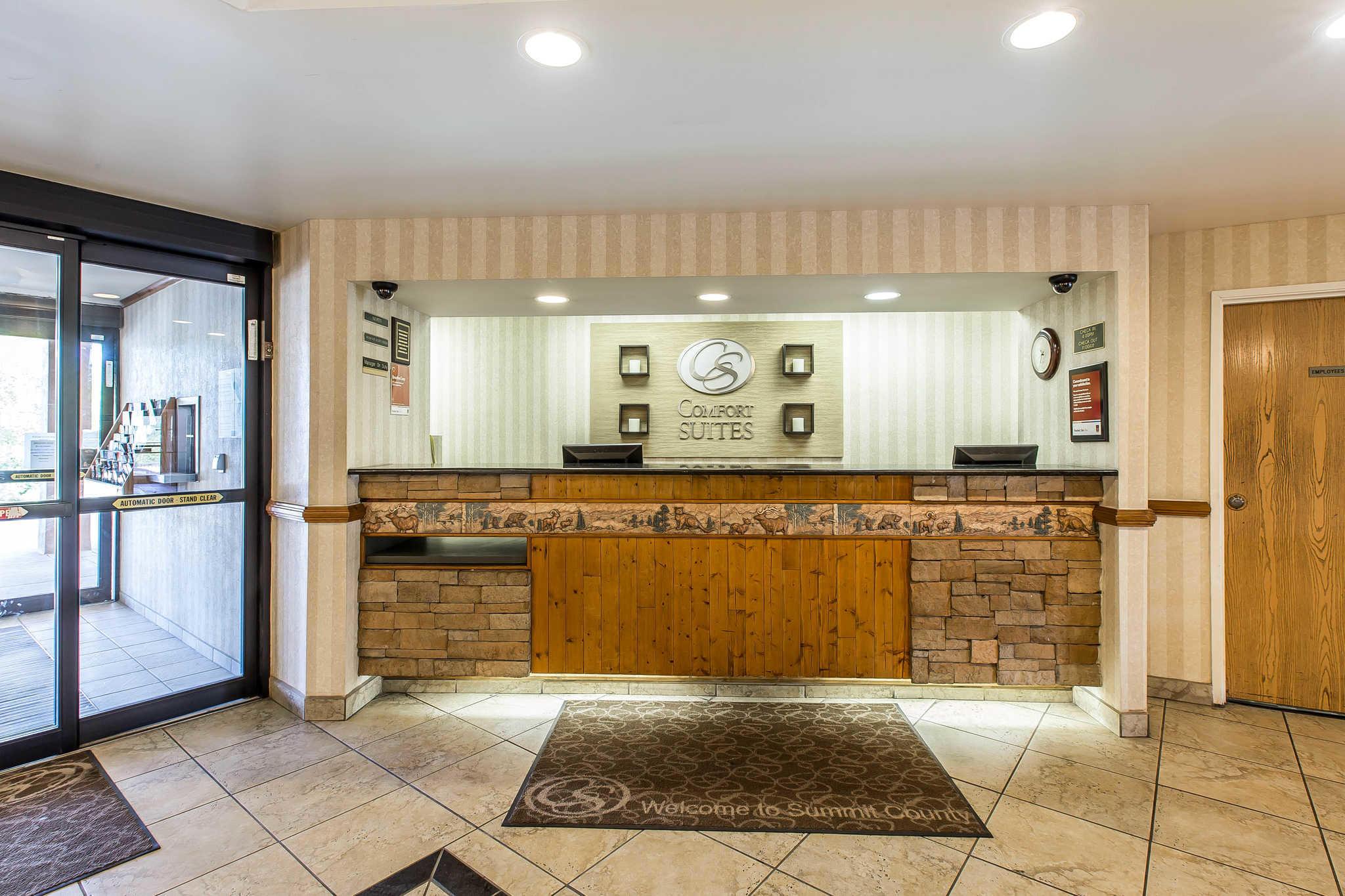 Comfort Suites Summit County image 2