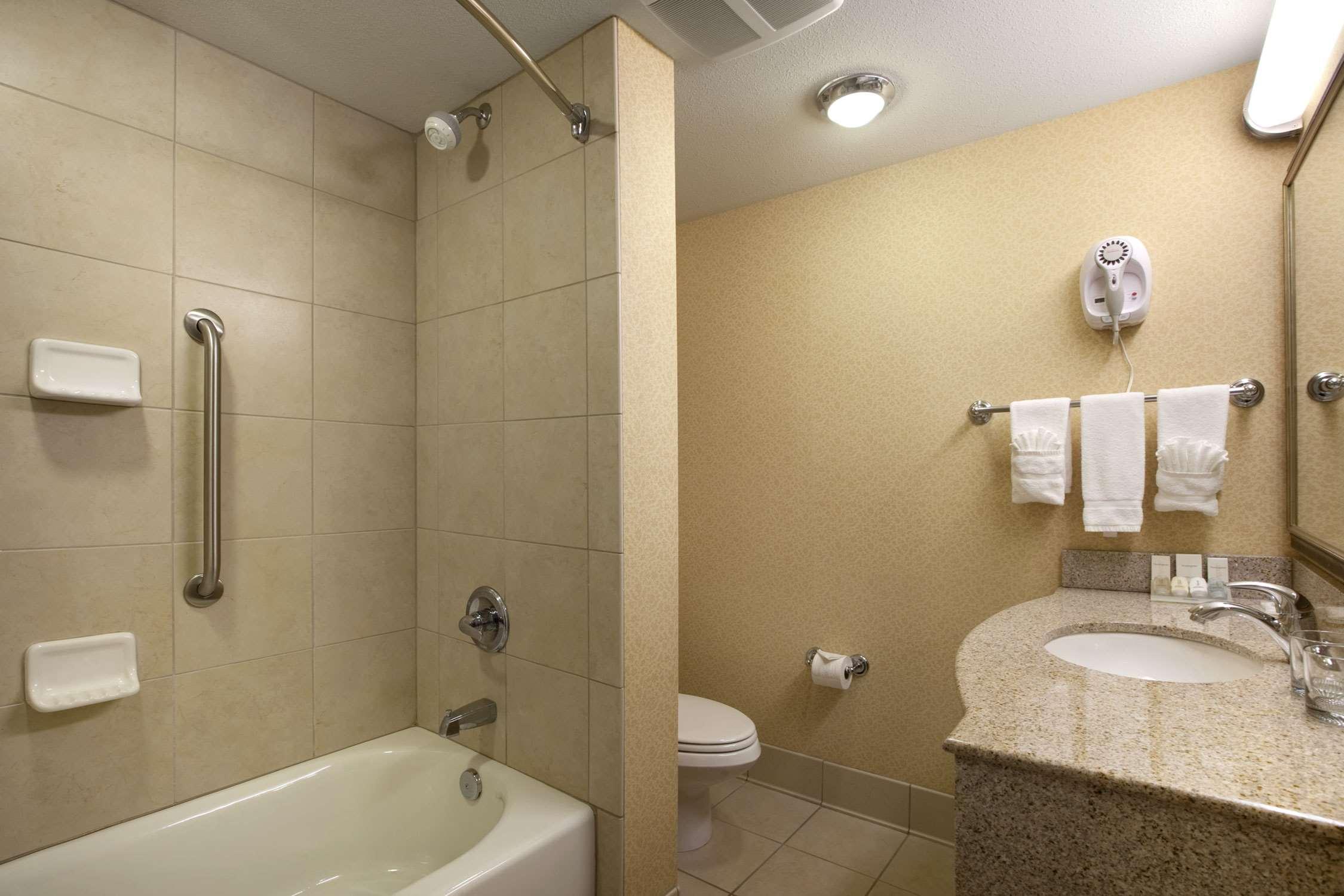 Hilton Garden Inn Champaign/ Urbana image 8
