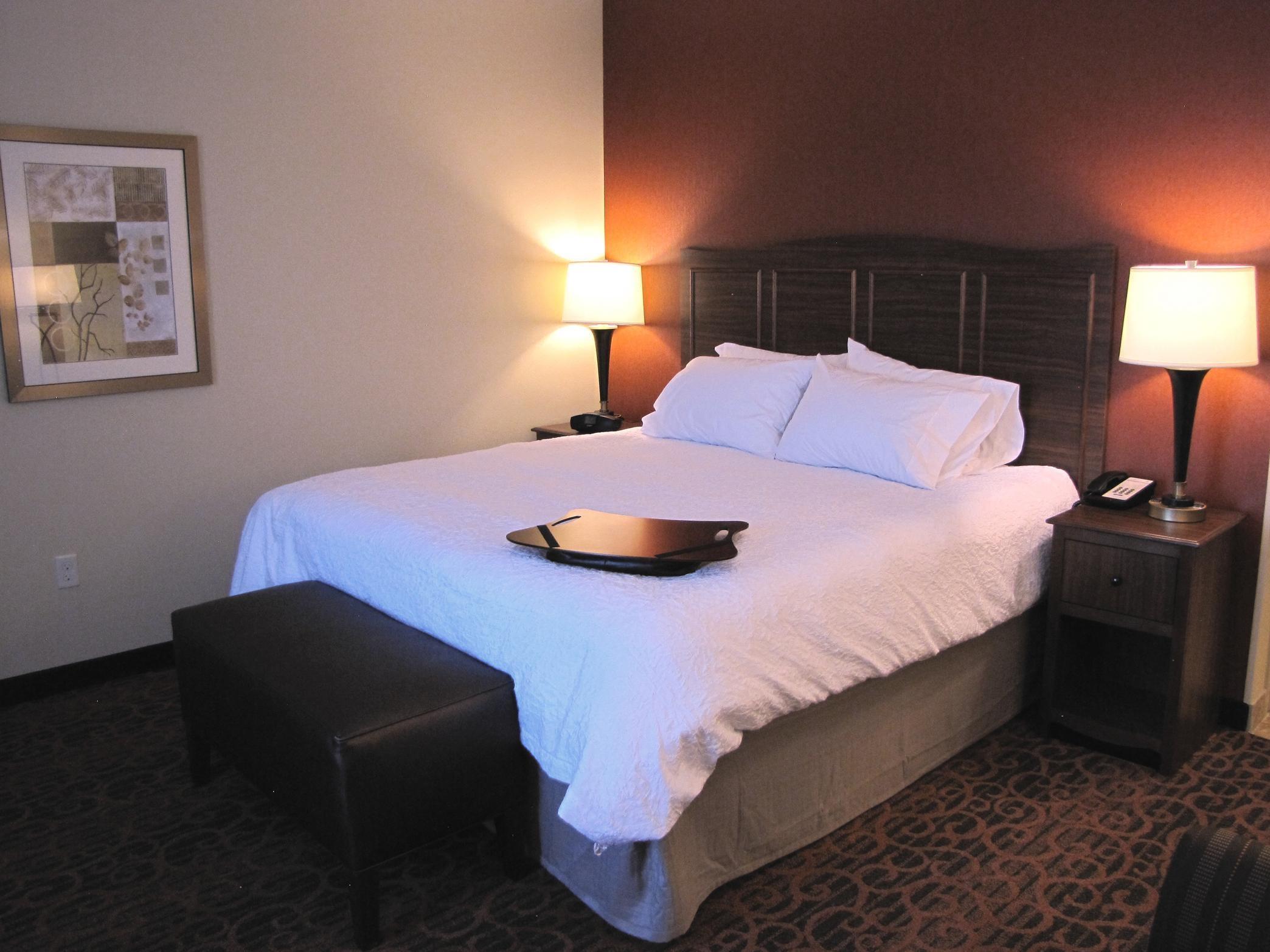 Hampton Inn & Suites Jamestown, ND image 6