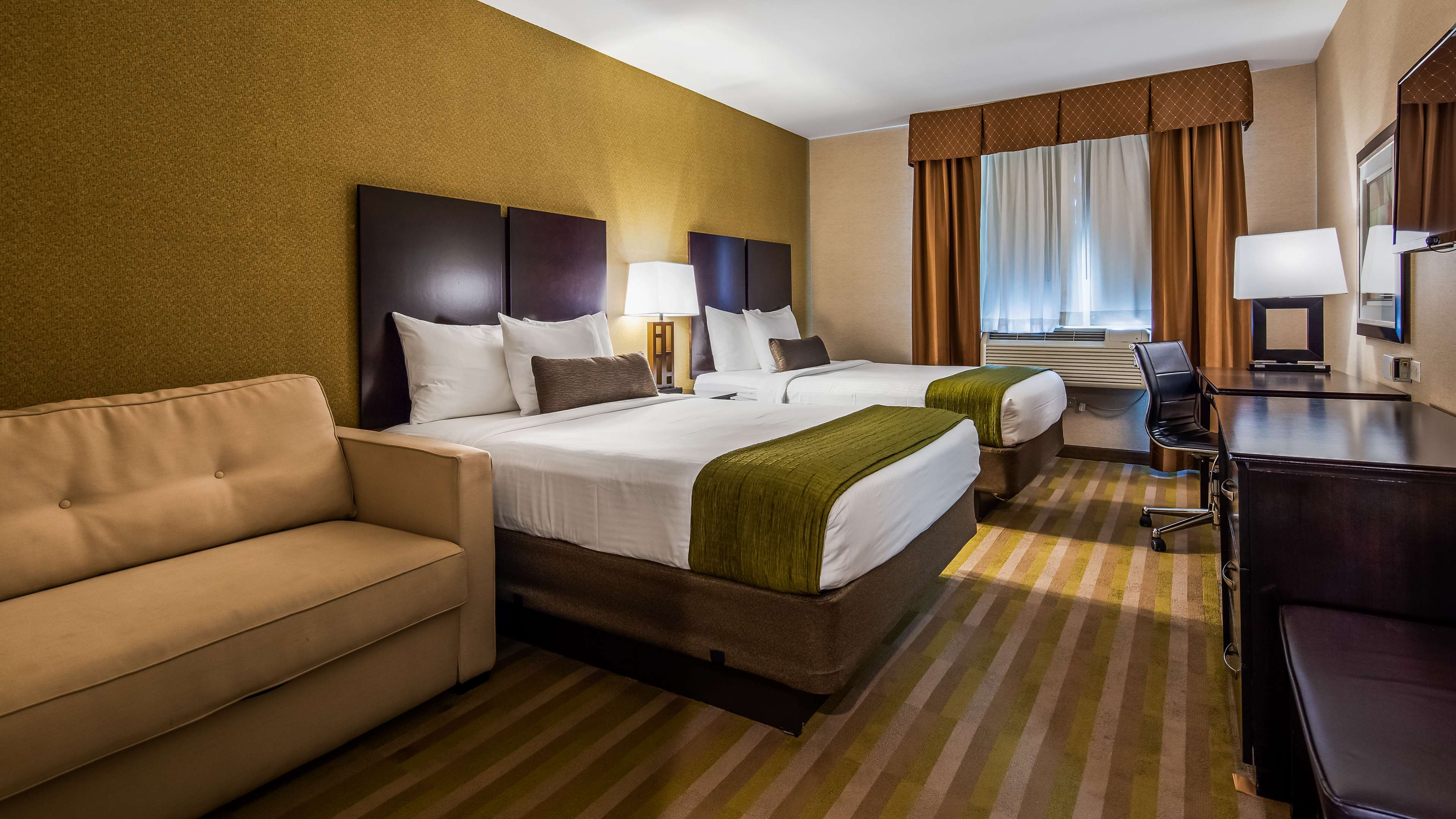 Best Western Plus Plaza Hotel image 22