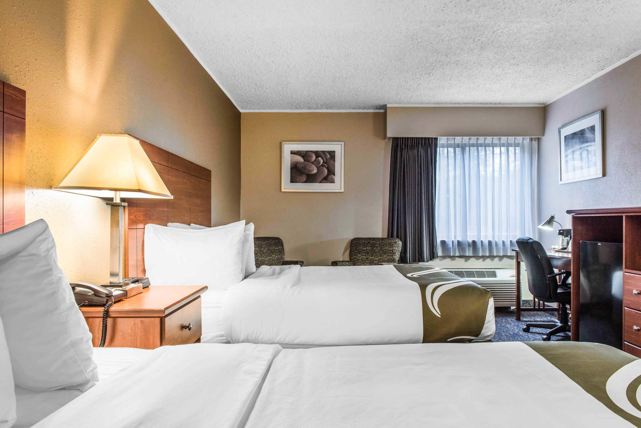 Quality Inn Austintown-Youngstown West image 11