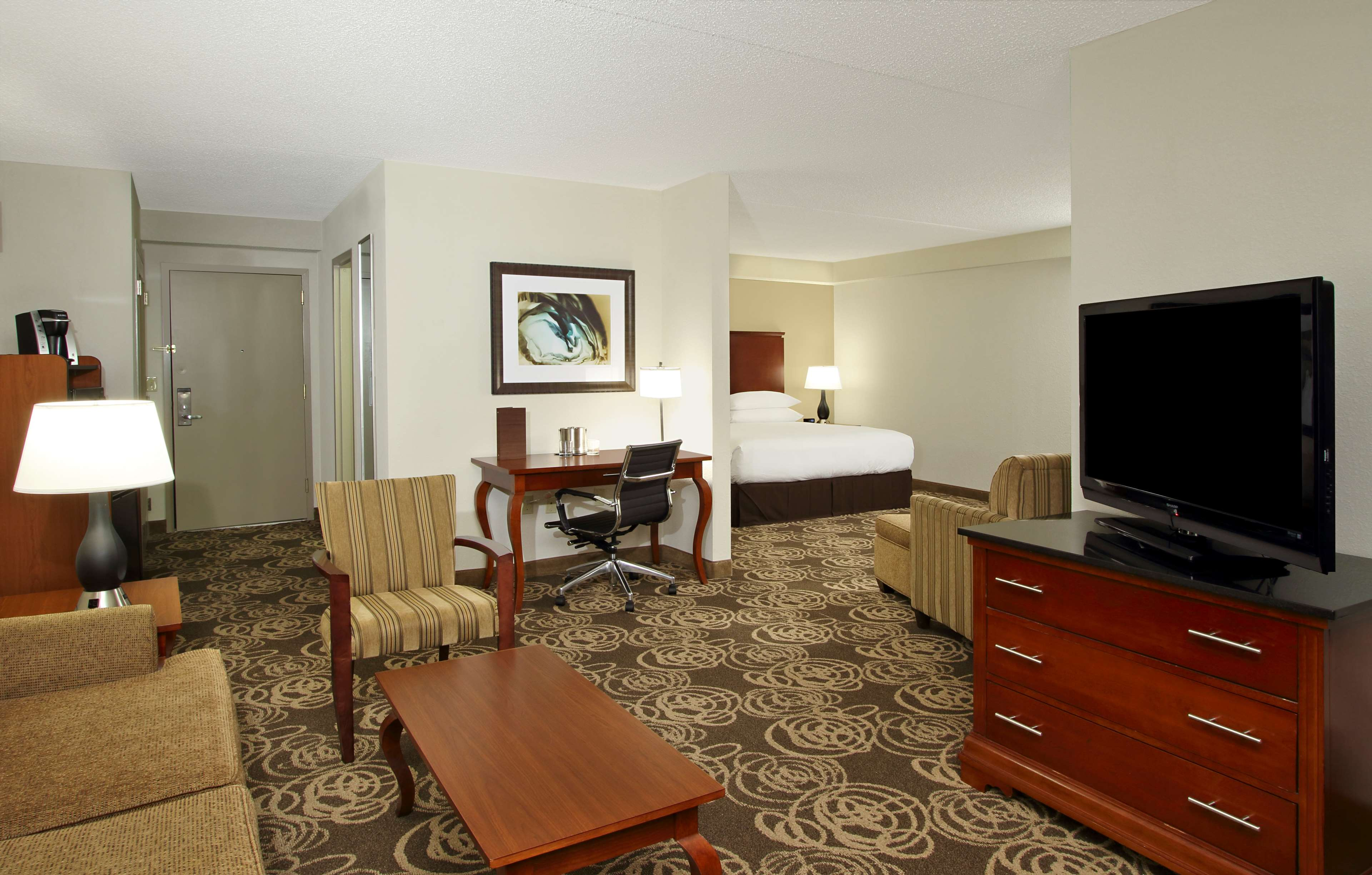 DoubleTree by Hilton Hotel Mahwah image 11
