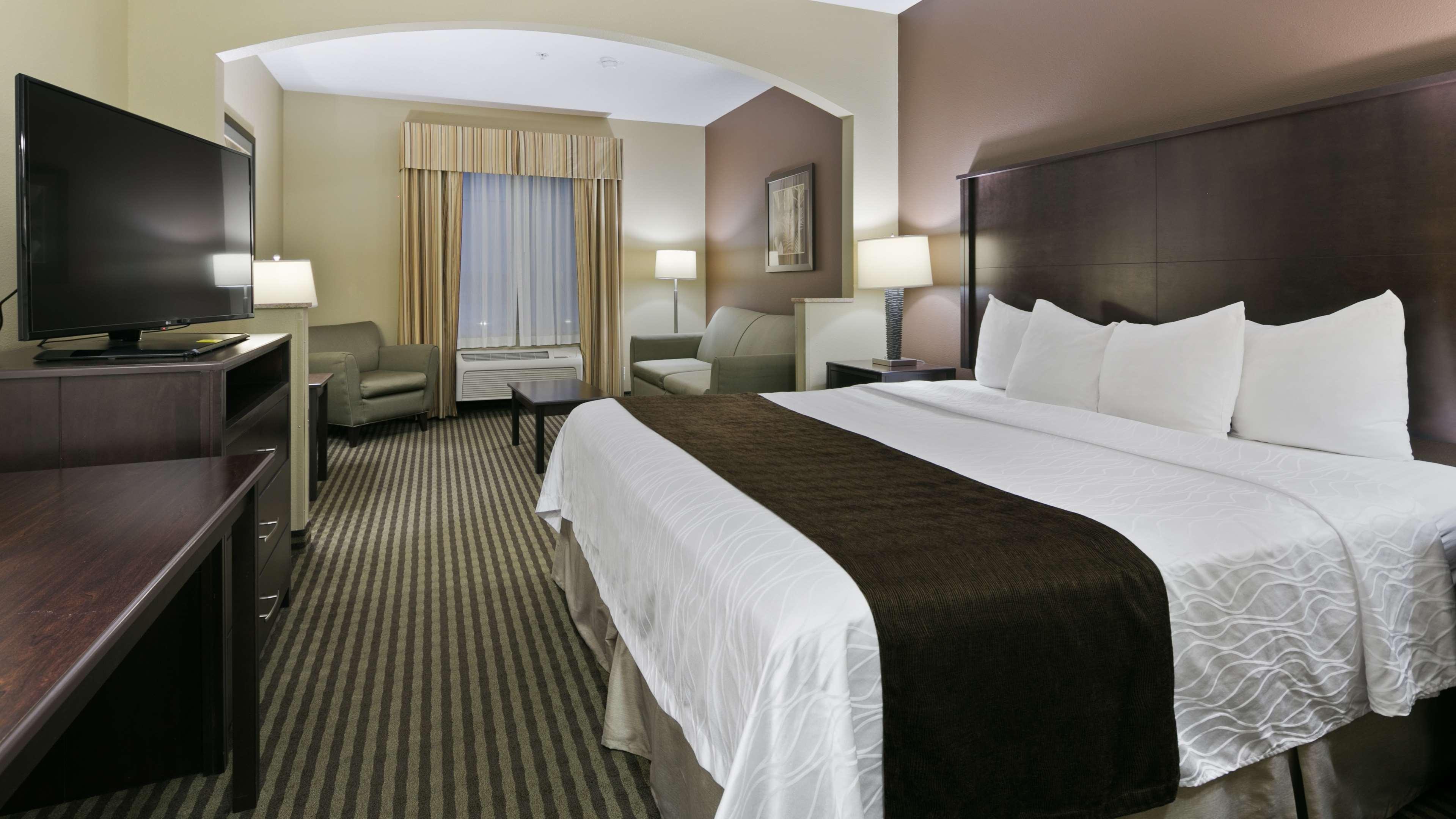 Best Western Plus Parkersville Inn & Suites image 6