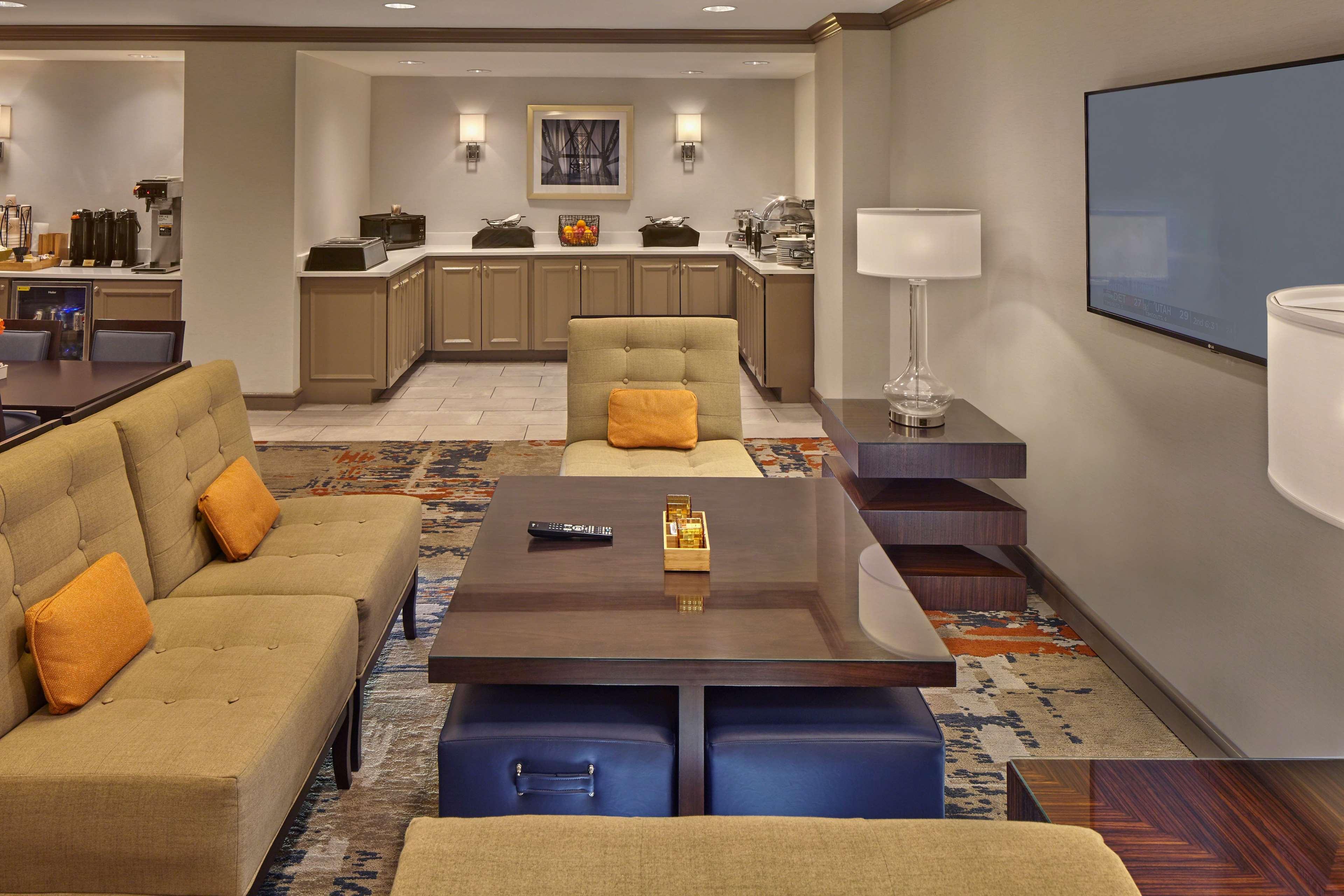 DoubleTree by Hilton Hotel Little Rock image 9