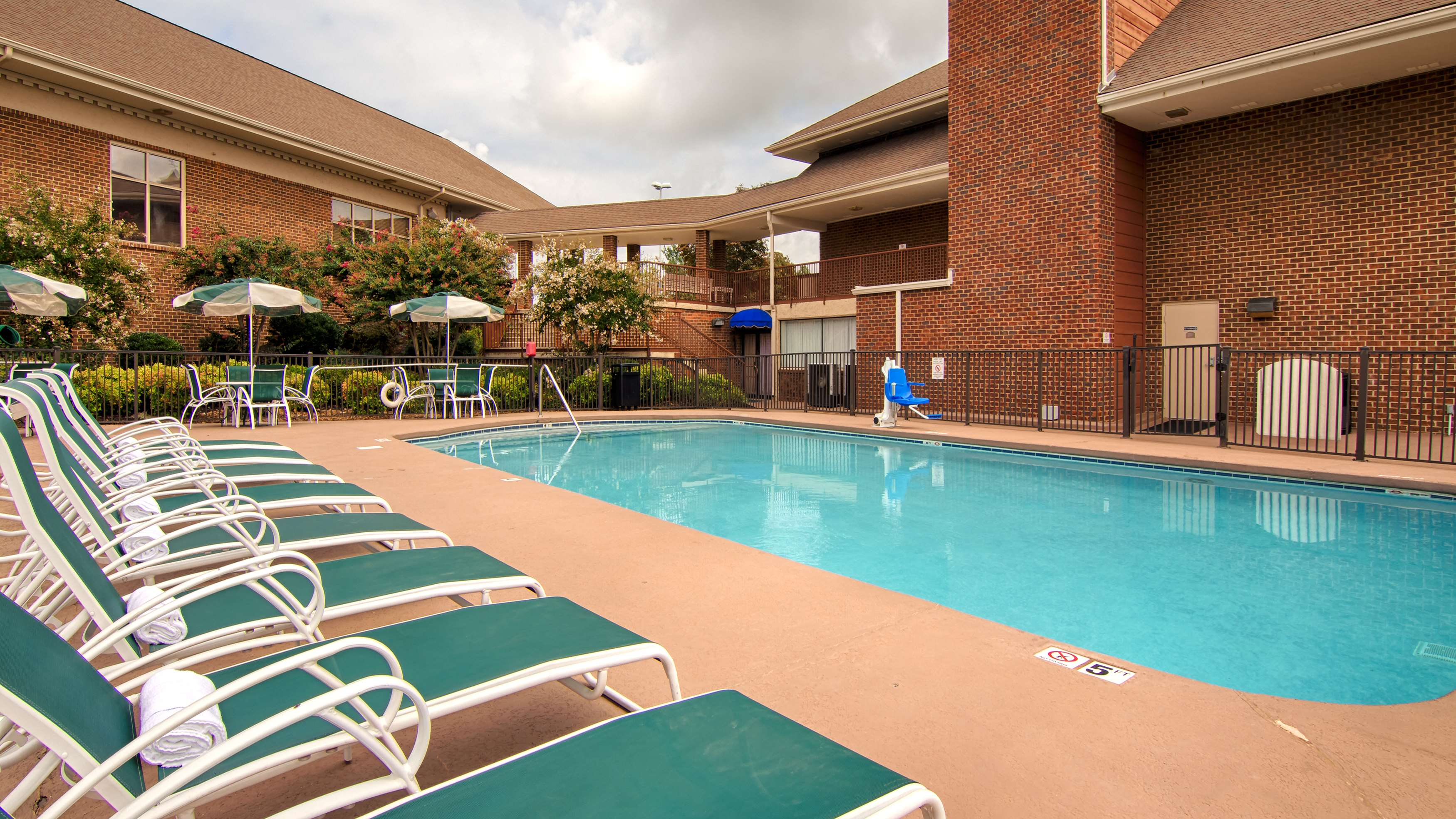 Best Western Plus Morristown Conference Center Hotel image 7
