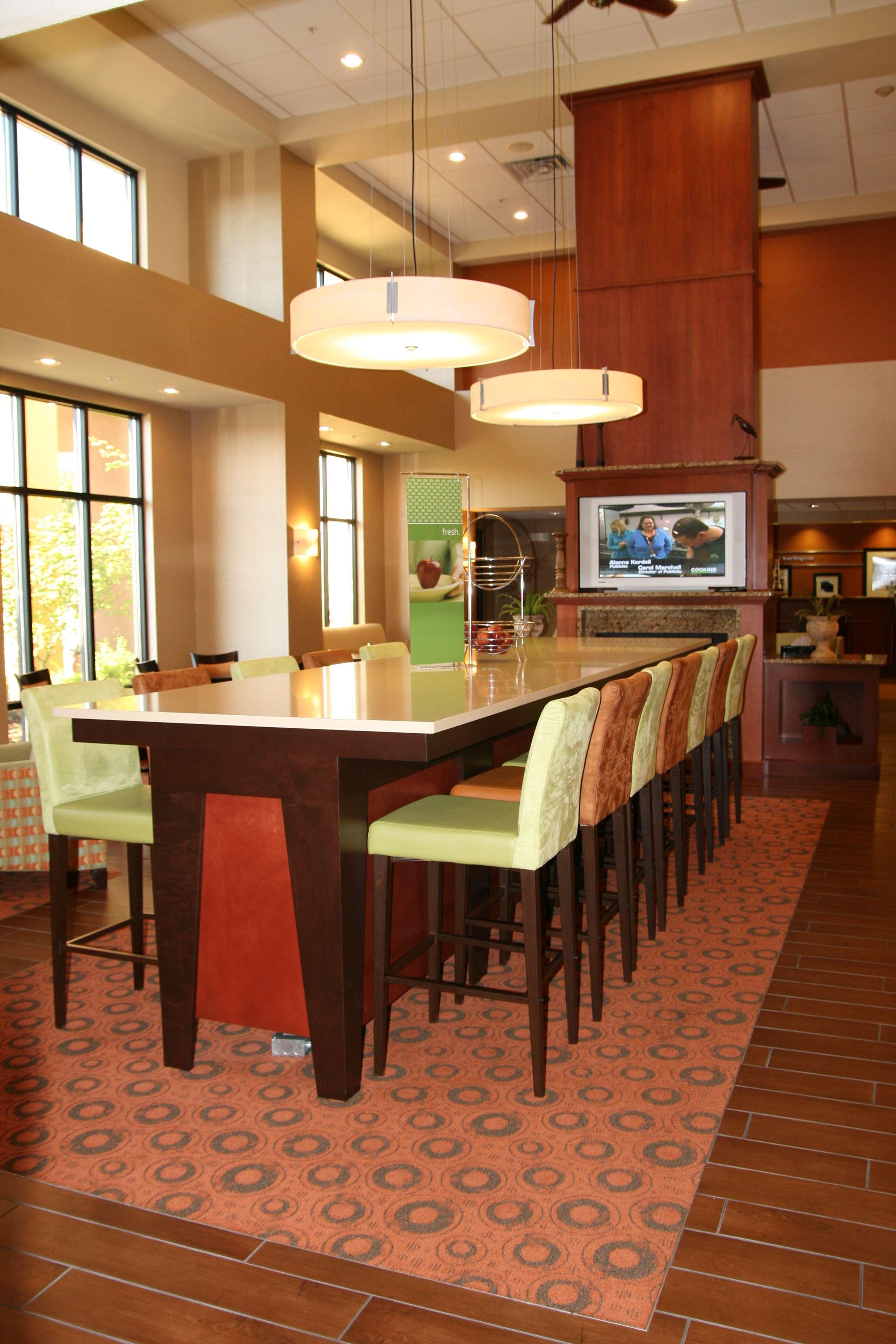 Hampton Inn & Suites Burlington image 8