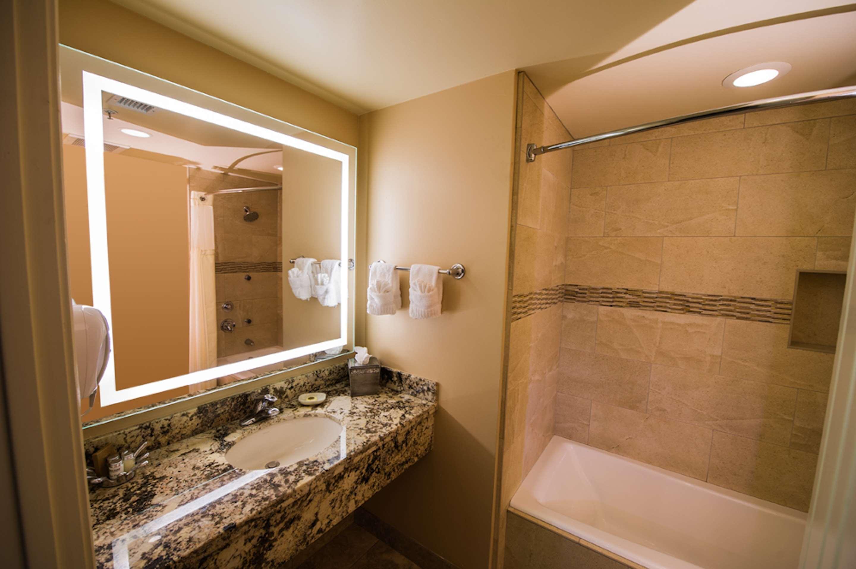 Best Western Plus Arroyo Roble Hotel & Creekside Villas image 25