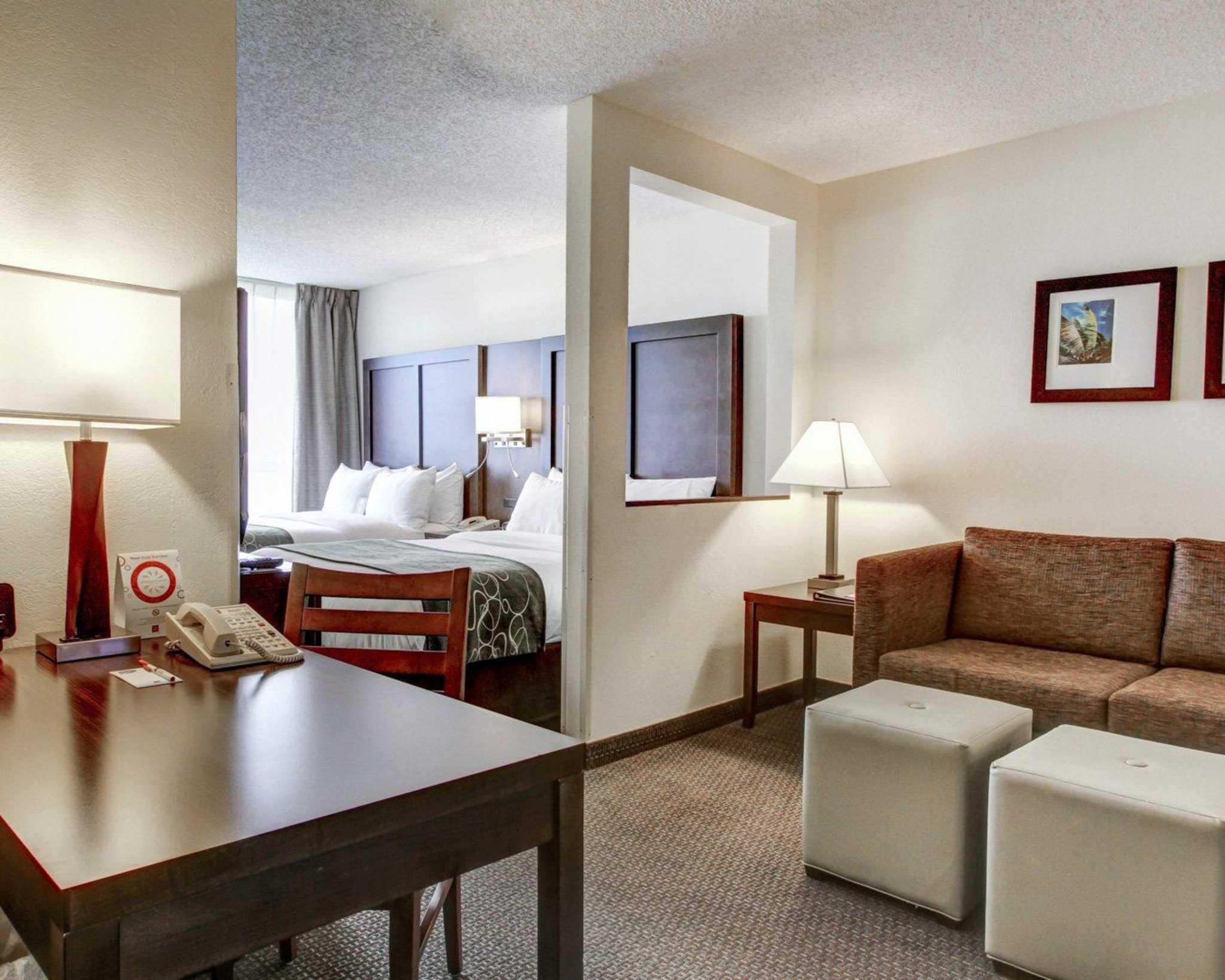 Comfort Suites Weston - Sawgrass Mills South image 35