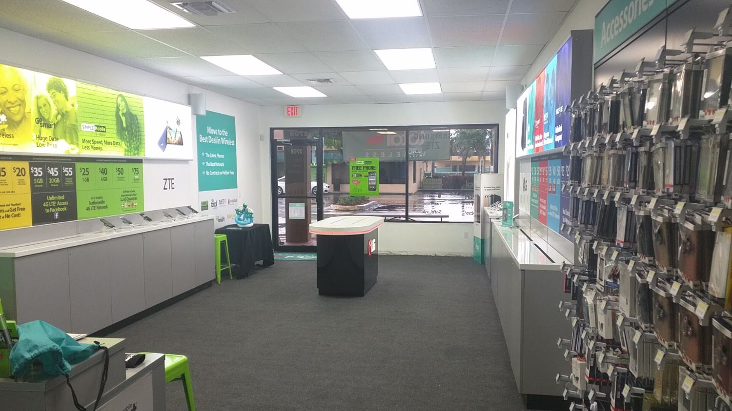Total Wireless Store - CLOSED image 1