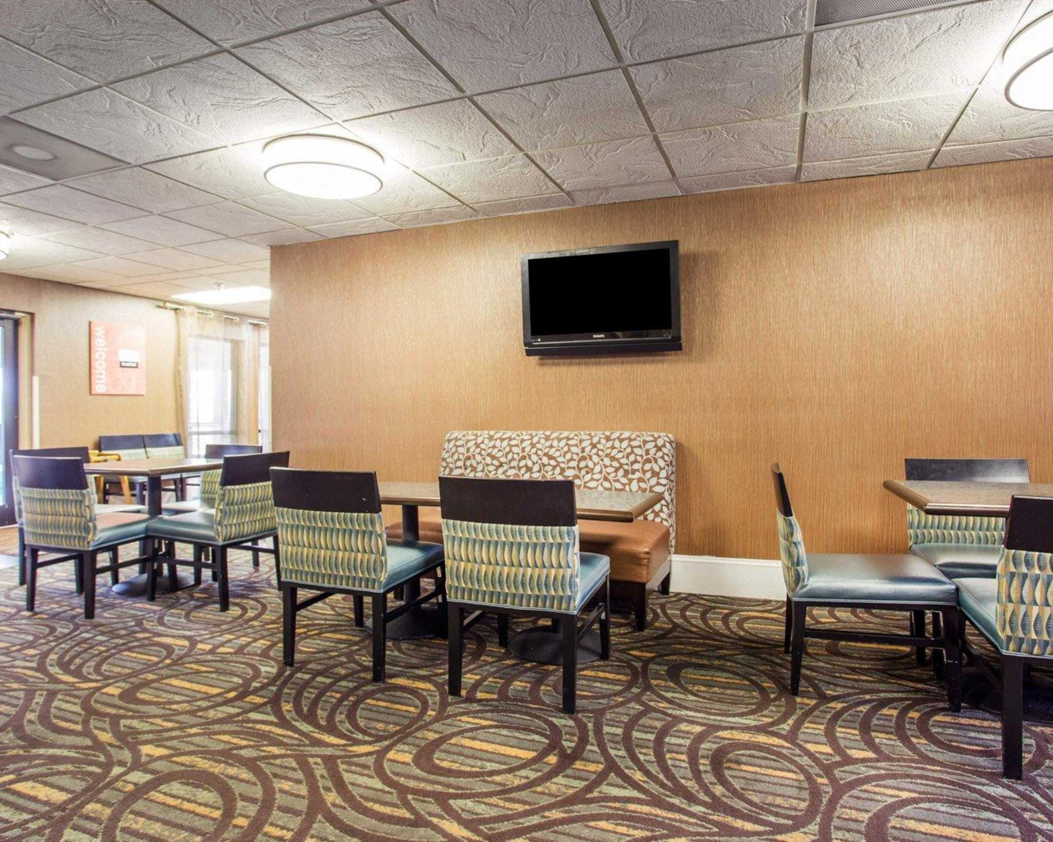 Comfort Inn & Suites at Stone Mountain image 21