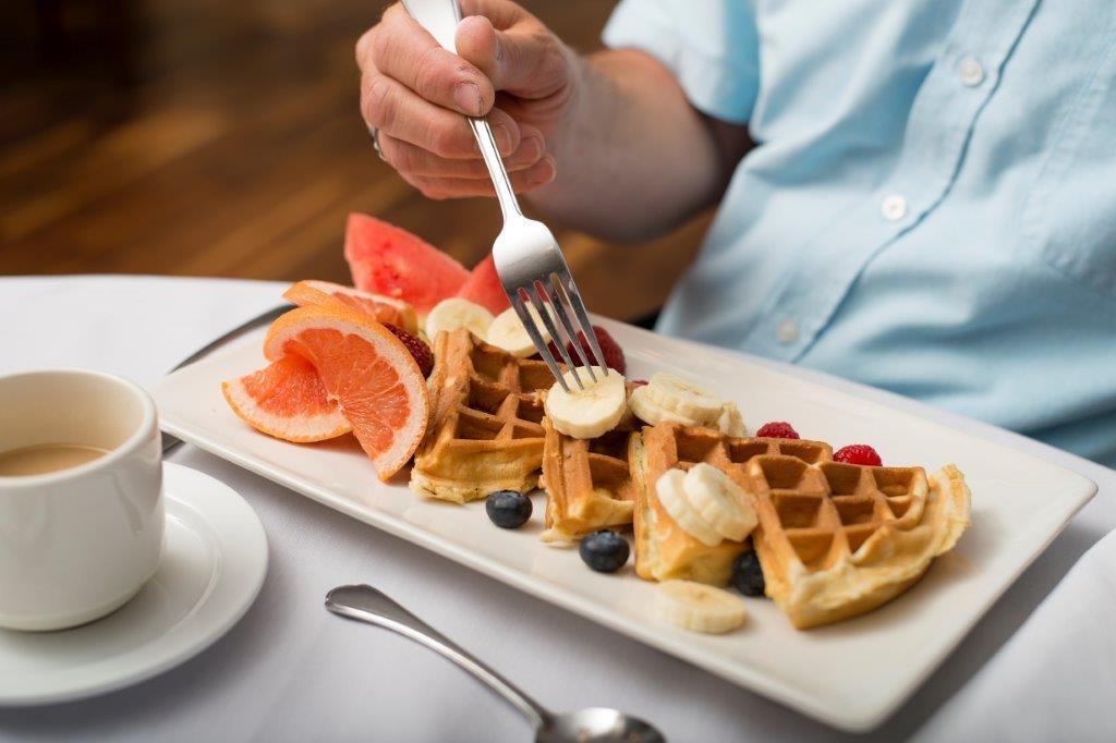 Best Western Plus Hotel Levesque à Riviere-du-Loup: Dining