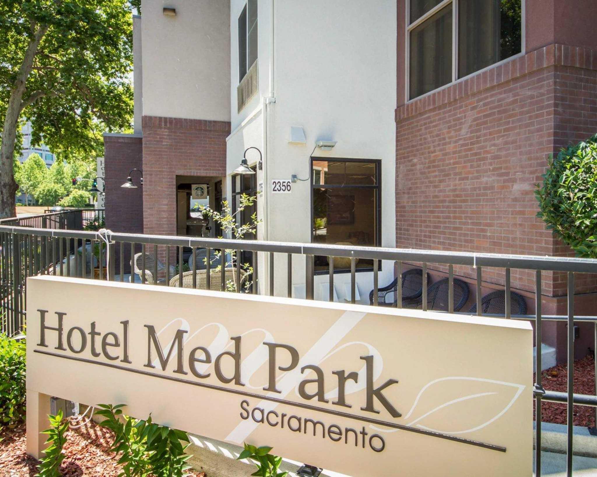 Hotel Med Park, an Ascend Hotel Collection Member image 2