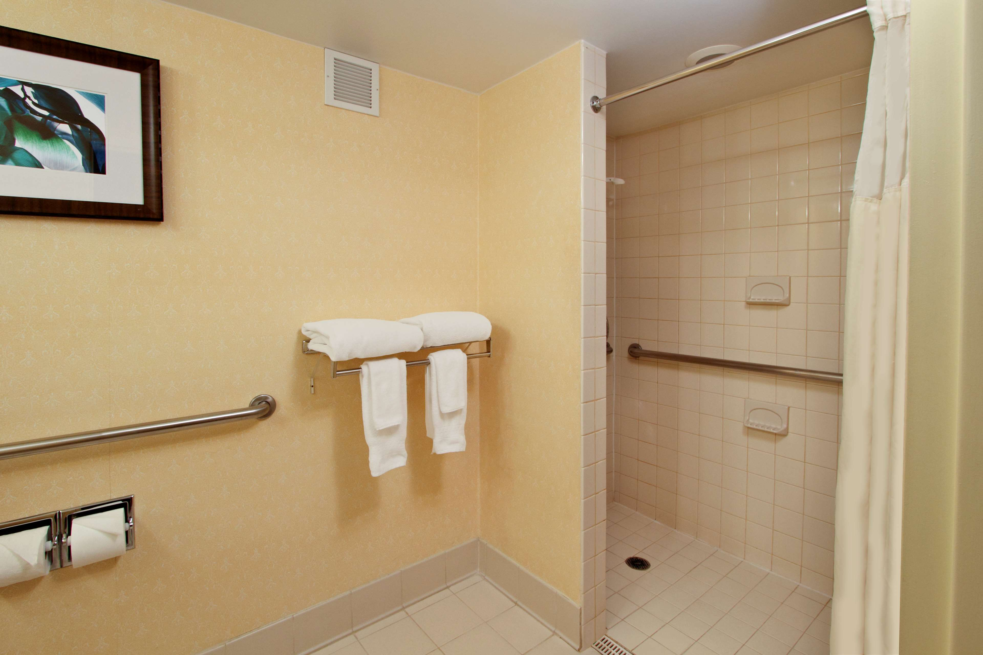 DoubleTree by Hilton Hotel Mahwah image 18