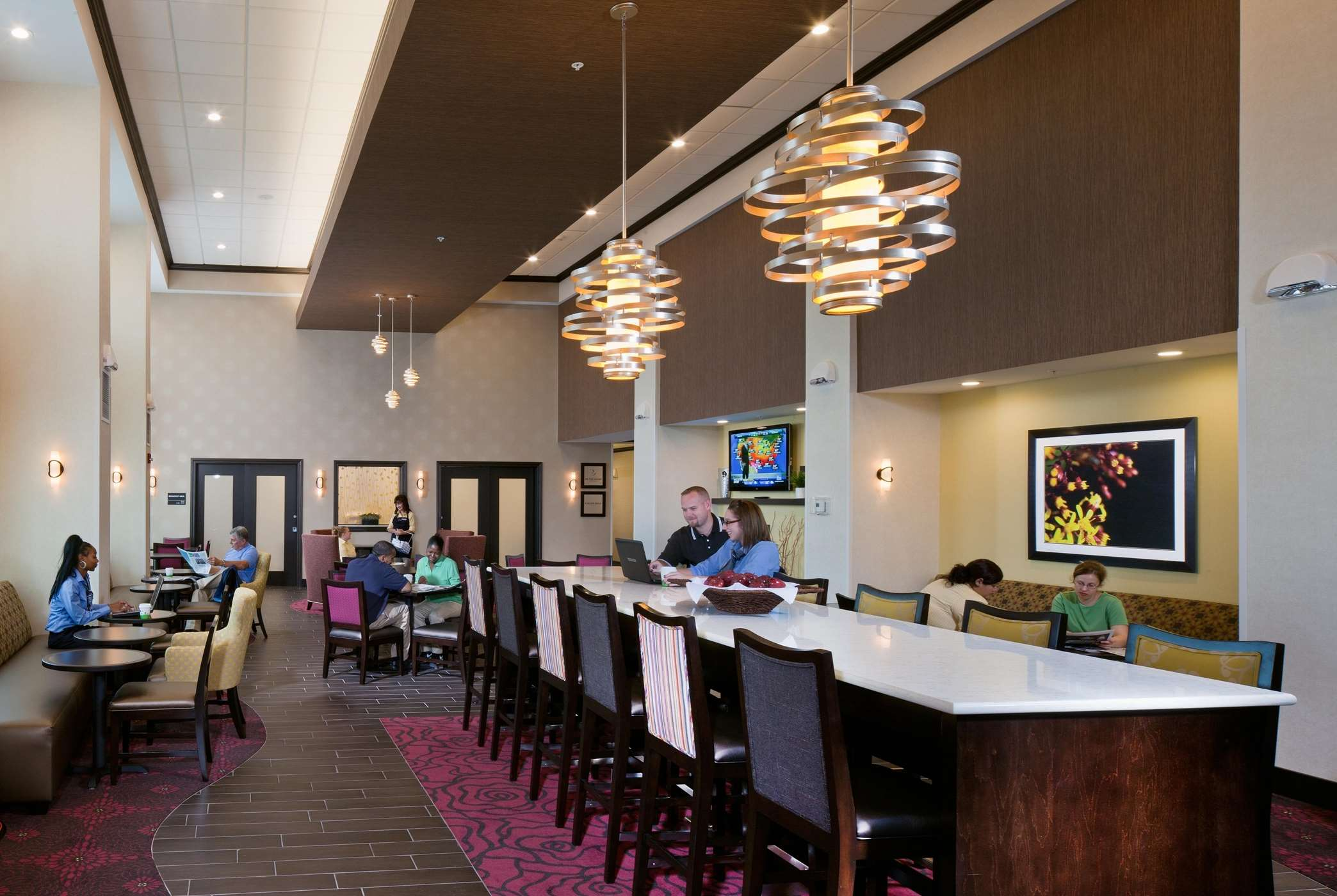 Hampton Inn & Suites Saginaw image 3