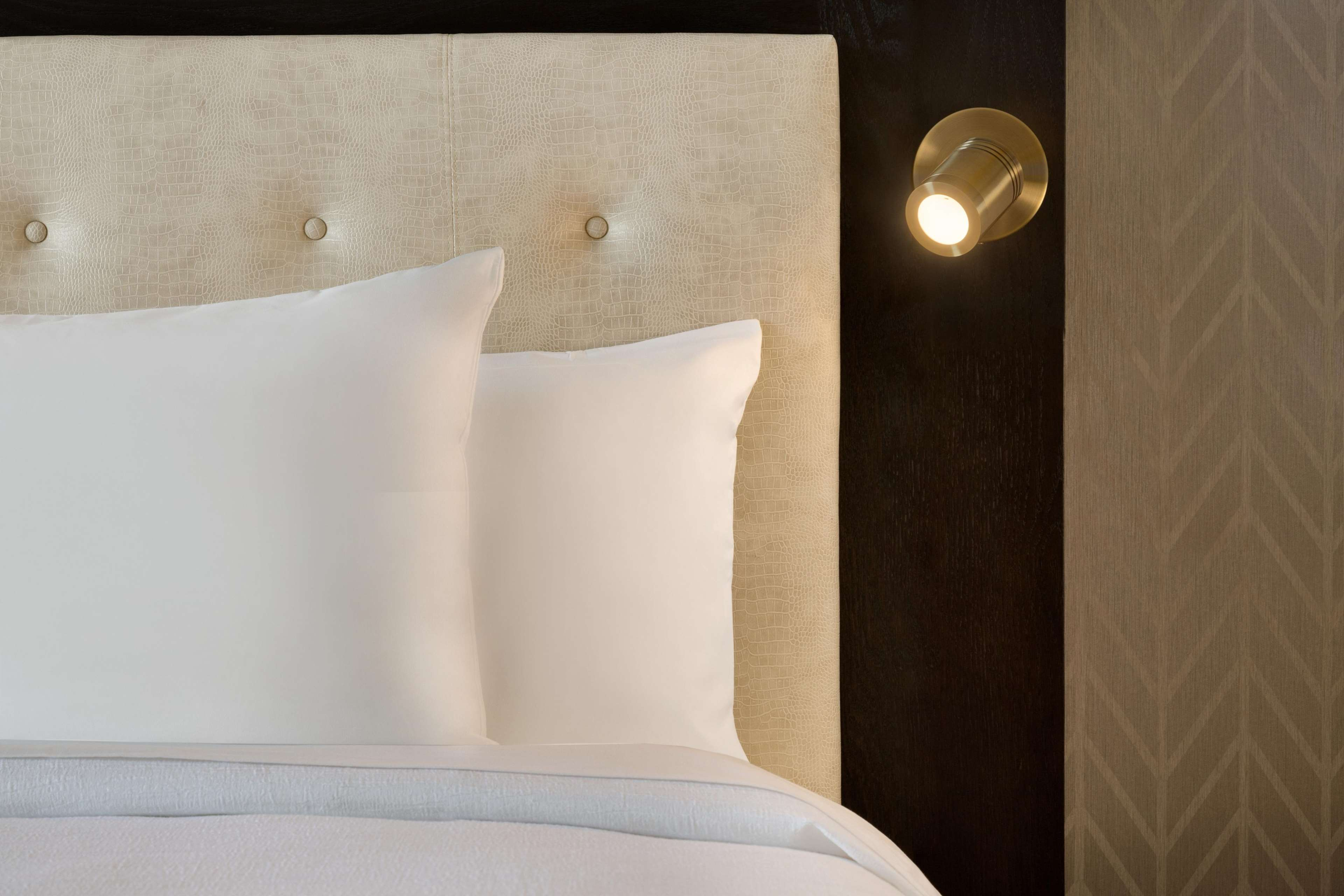 Embassy Suites by Hilton Syracuse Destiny USA image 5