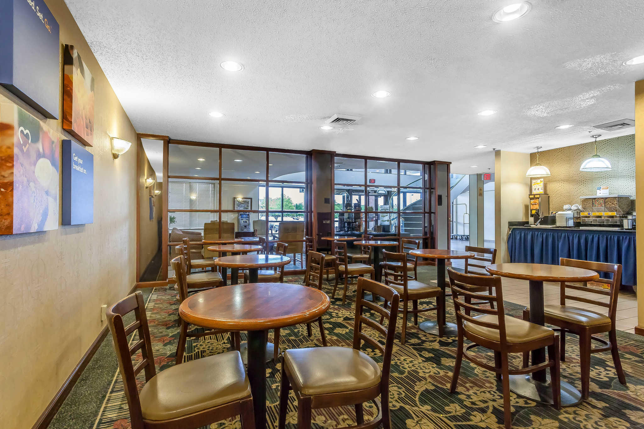 Comfort Inn Cleveland Airport image 20