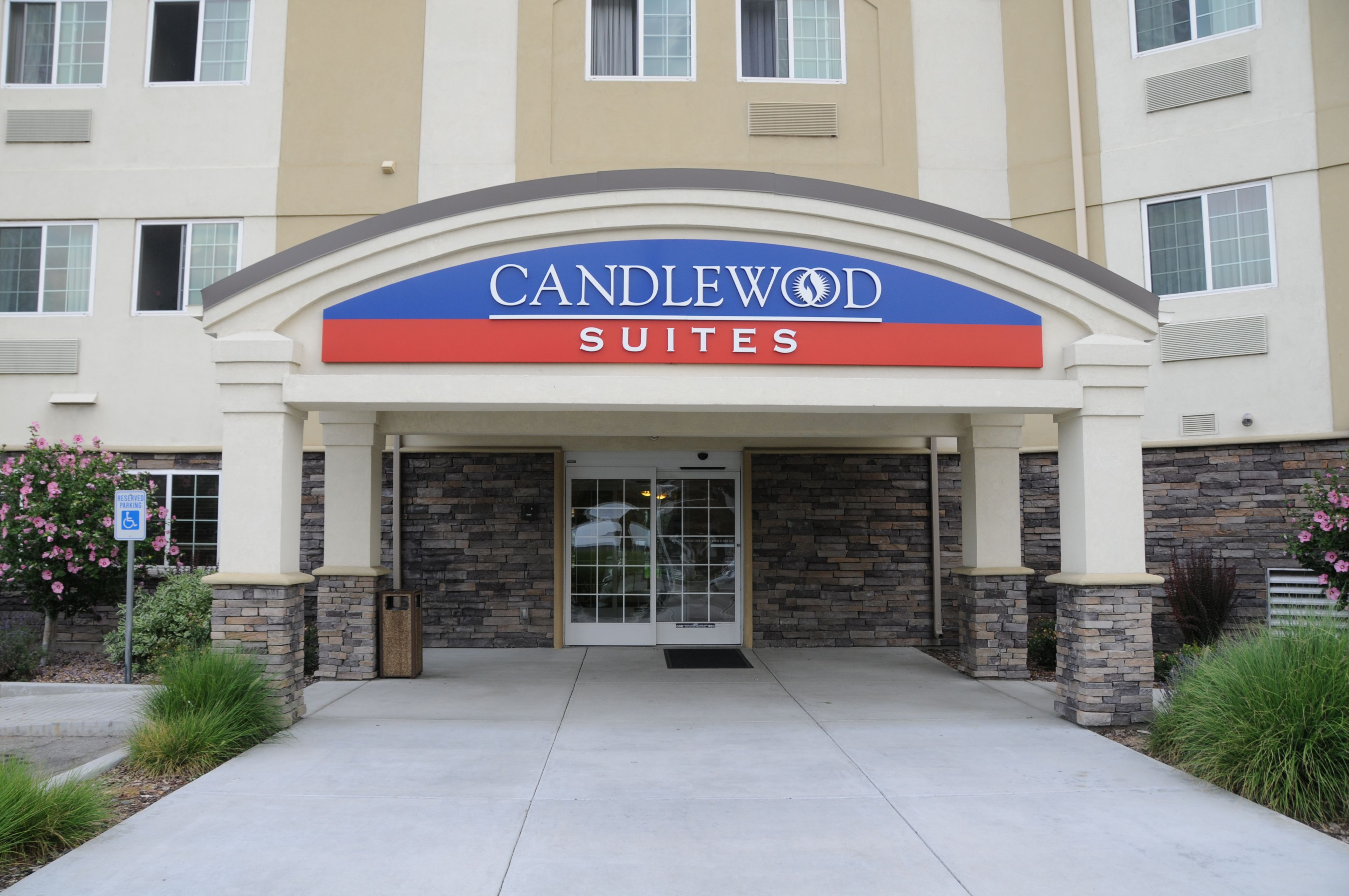 Candlewood Suites Birmingham Homewood At 400 Commons Drive Birmingham Al On Fave