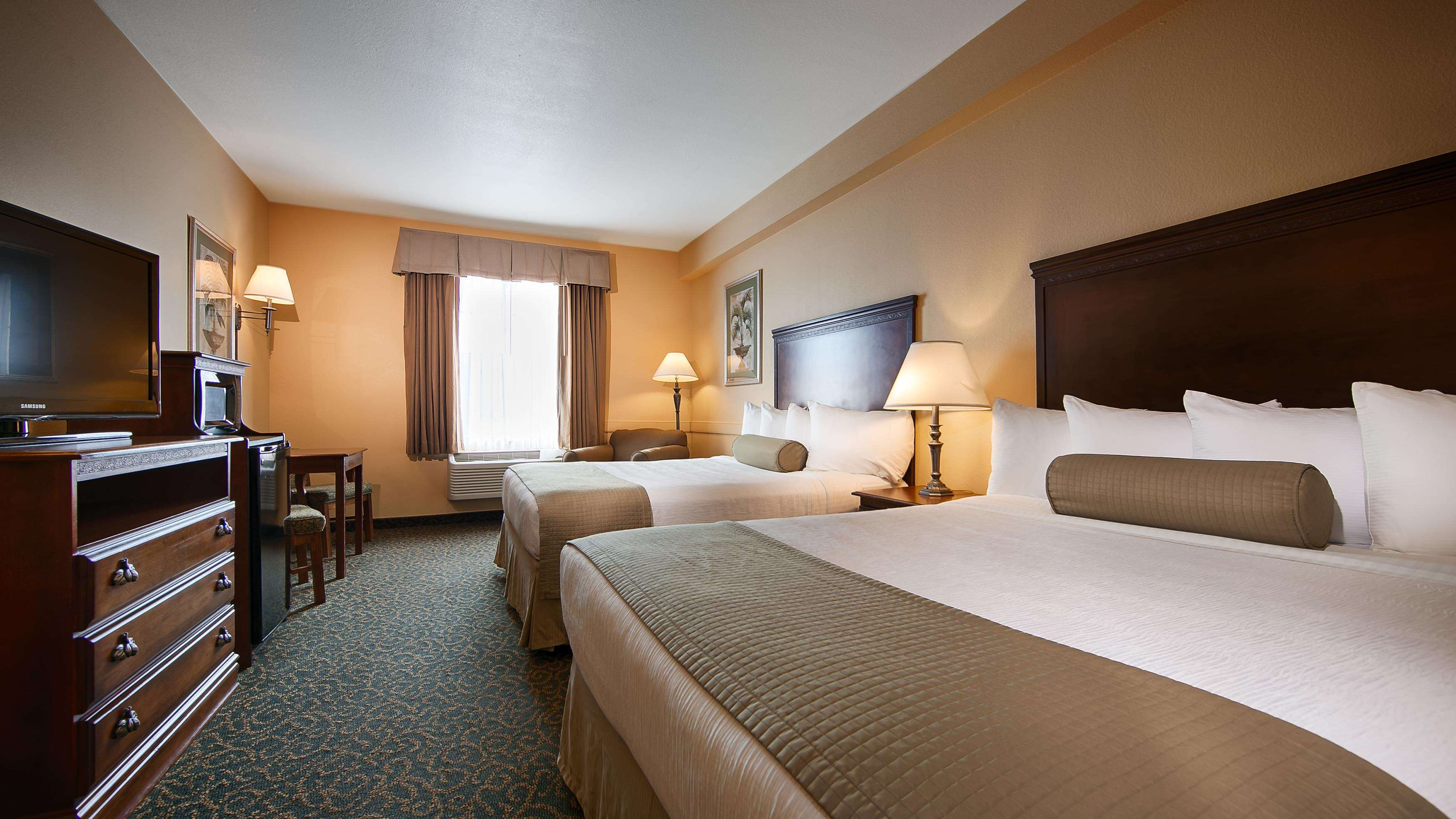 Best Western Plus Executive Hotel & Suites image 16