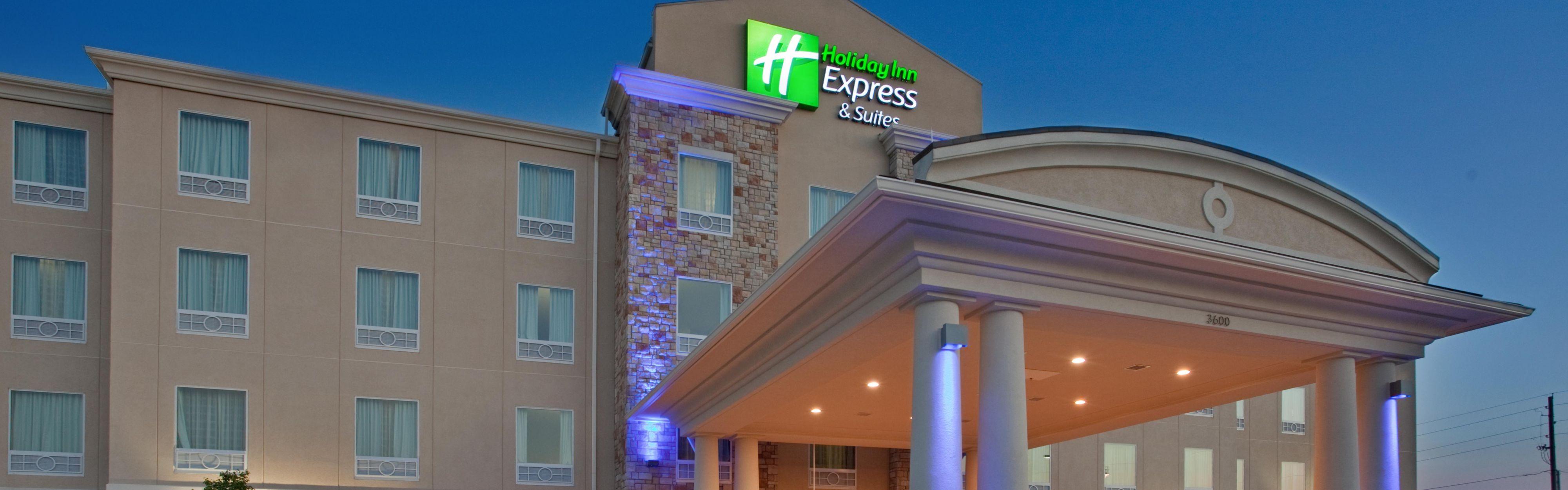 Holiday Inn Express & Suites St. Joseph image 0