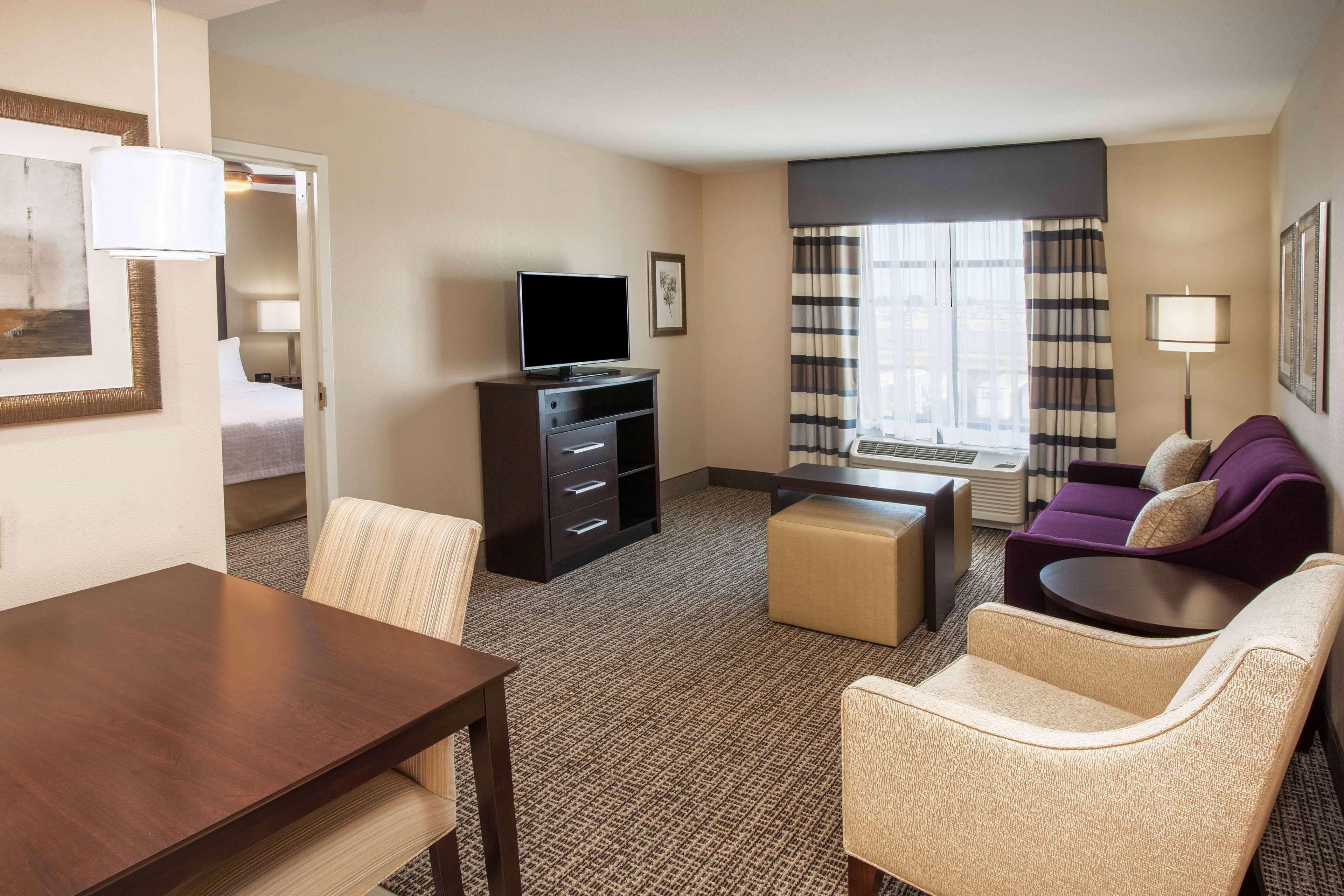 Homewood Suites by Hilton Munster image 1