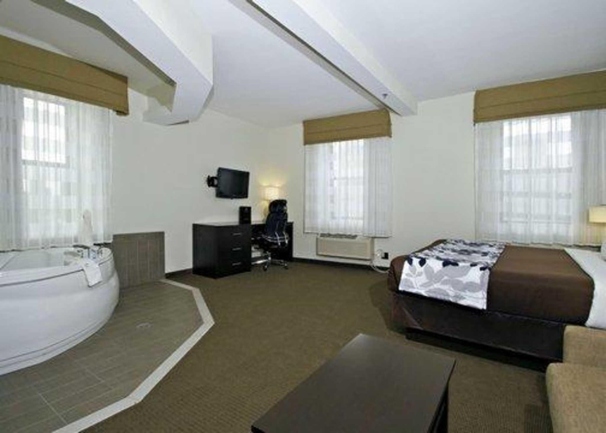 Sleep Inn & Suites Downtown Inner Harbor image 19