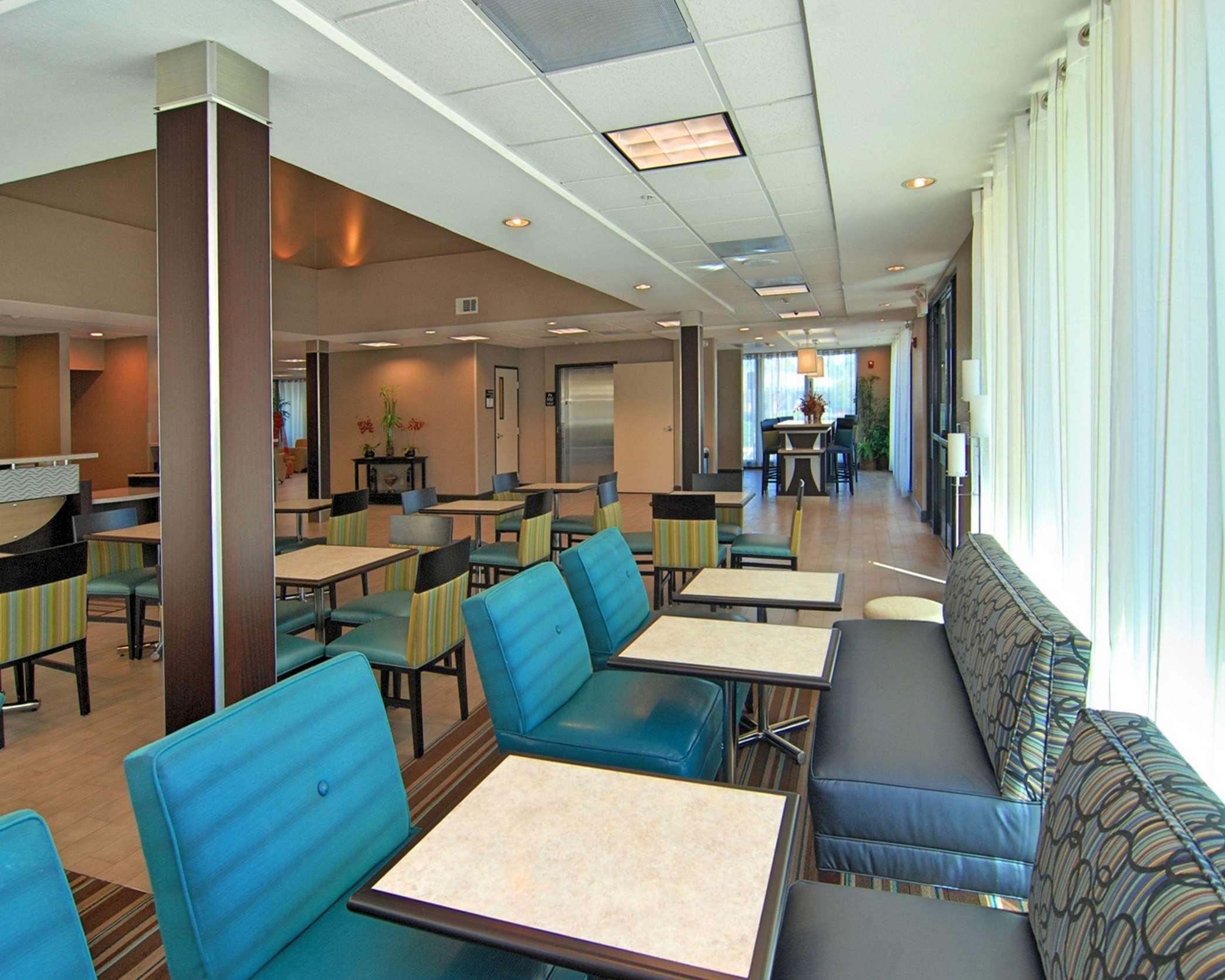 Hampton Inn & Suites Mountain View image 5