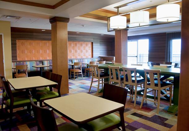 Fairfield Inn & Suites by Marriott Ames image 8