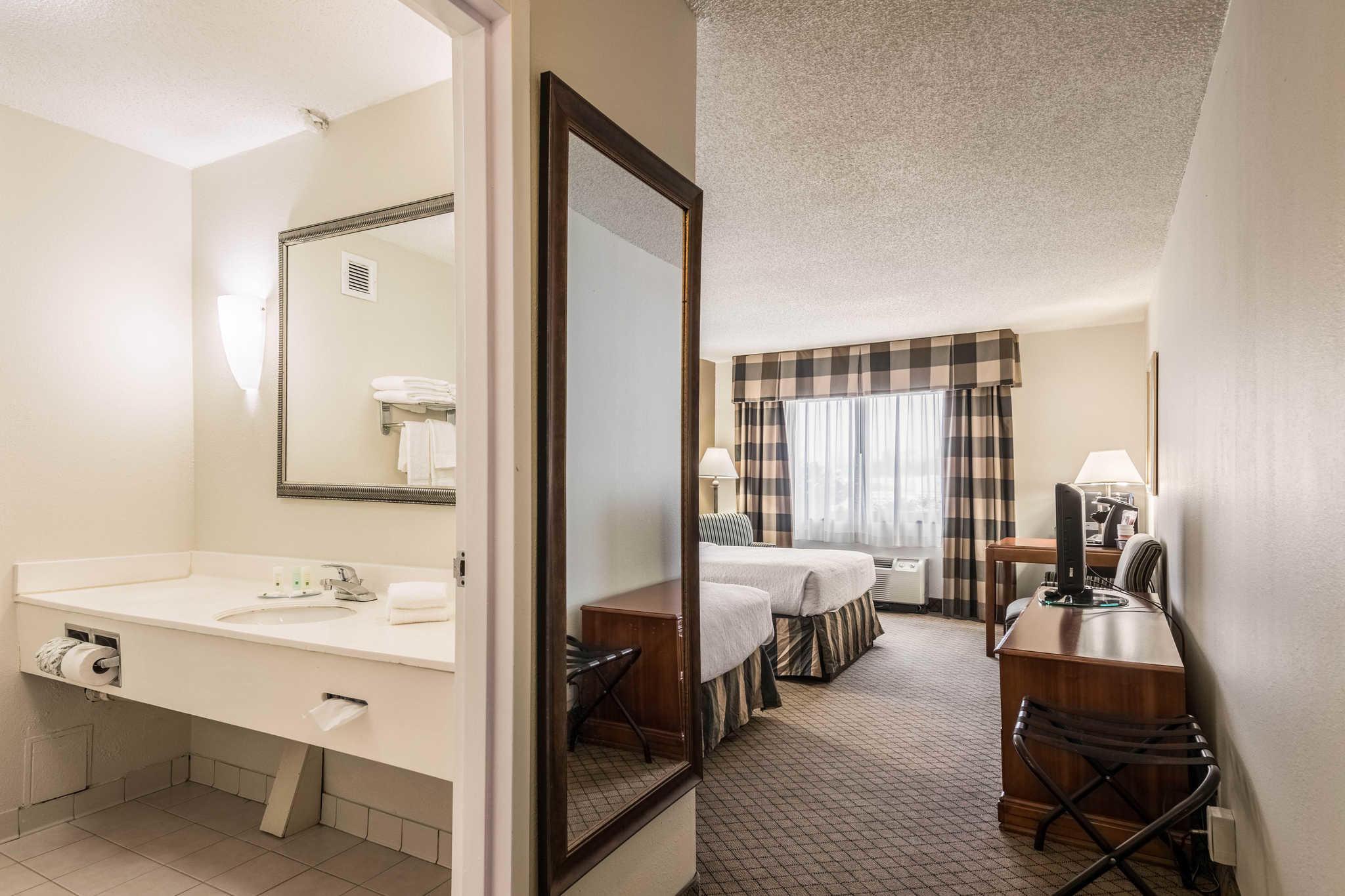 Quality Inn near Finger Lakes and Seneca Falls image 5