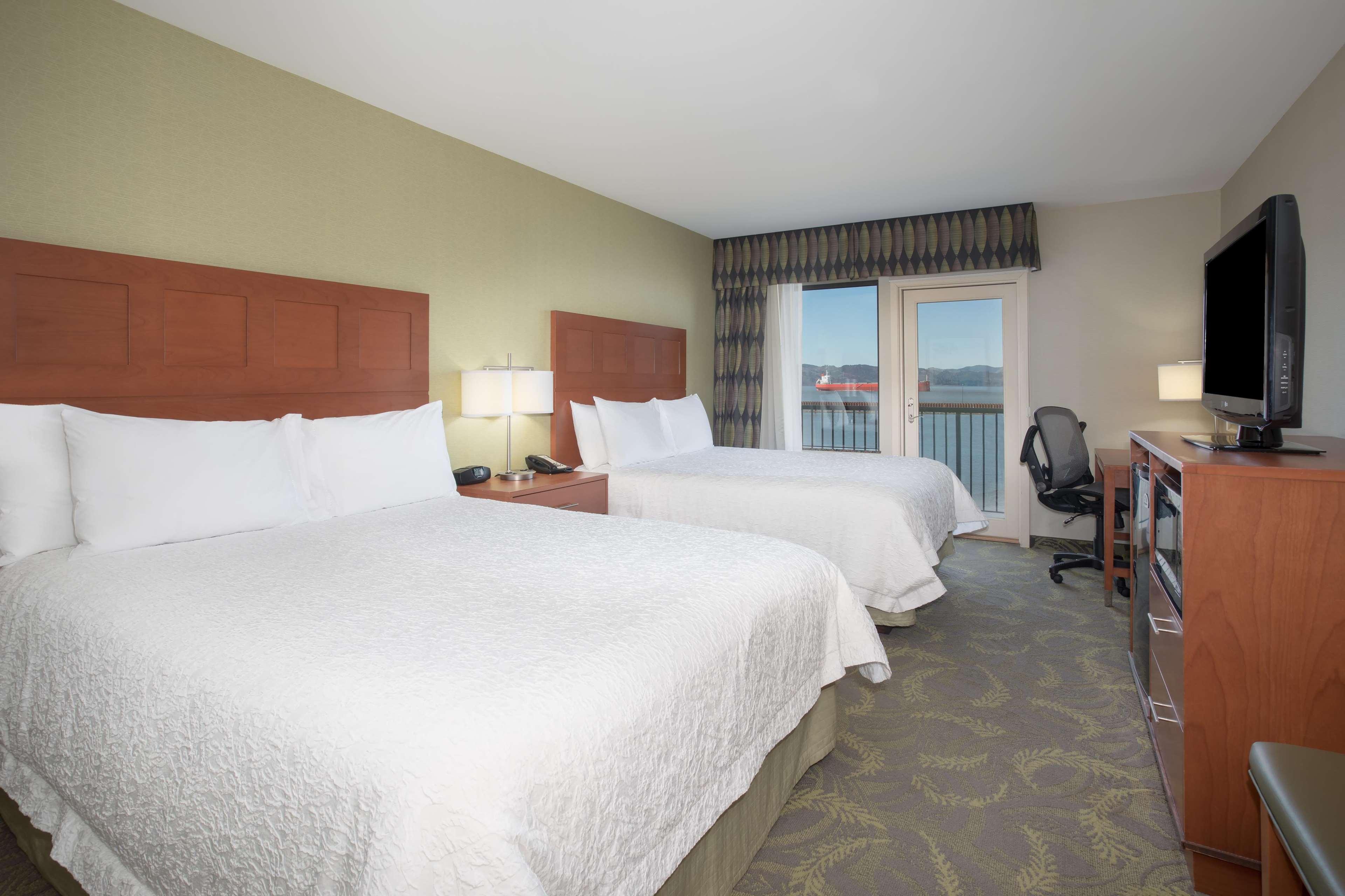 Hampton Inn & Suites Astoria image 28