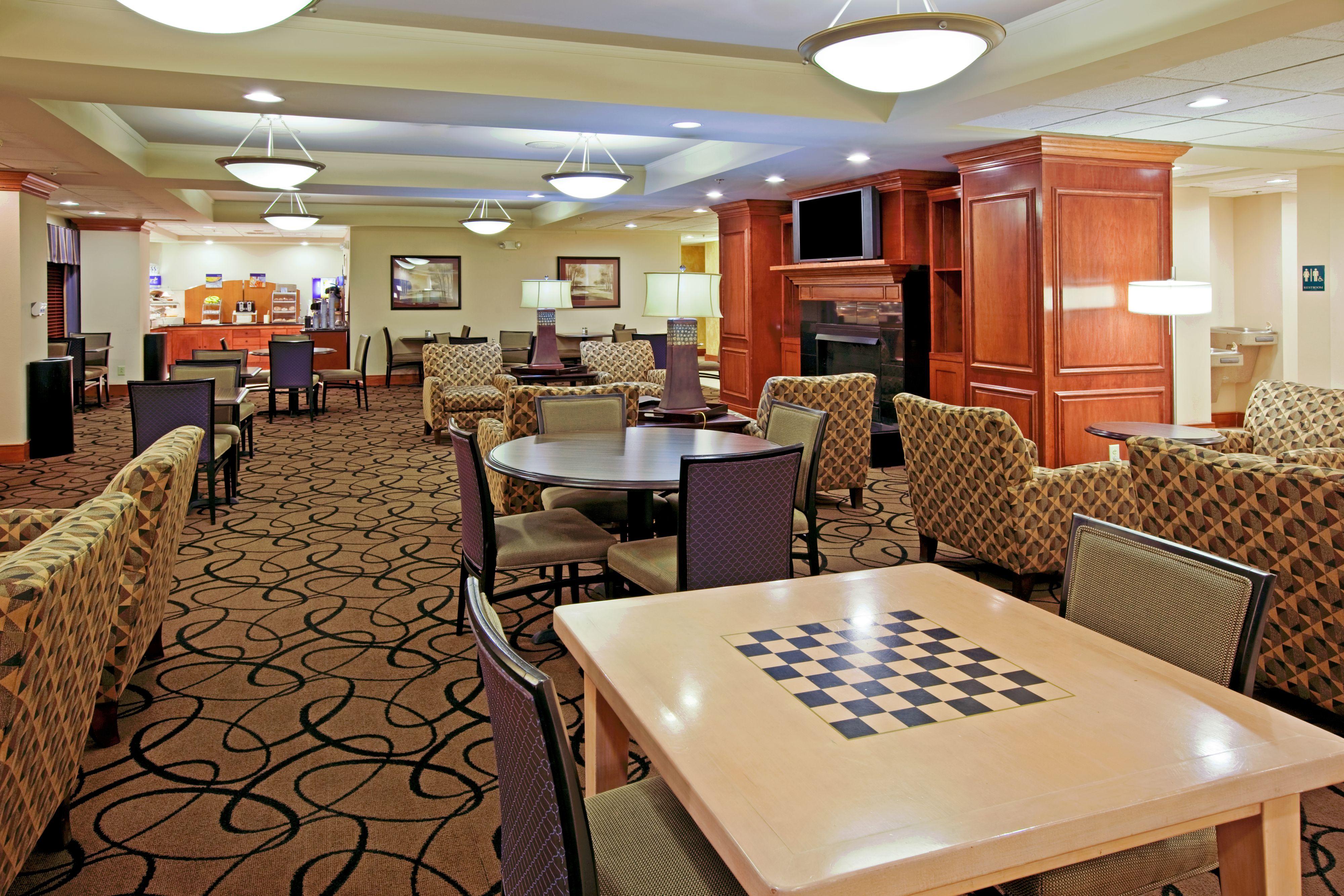 Holiday Inn Express Indianapolis South image 6