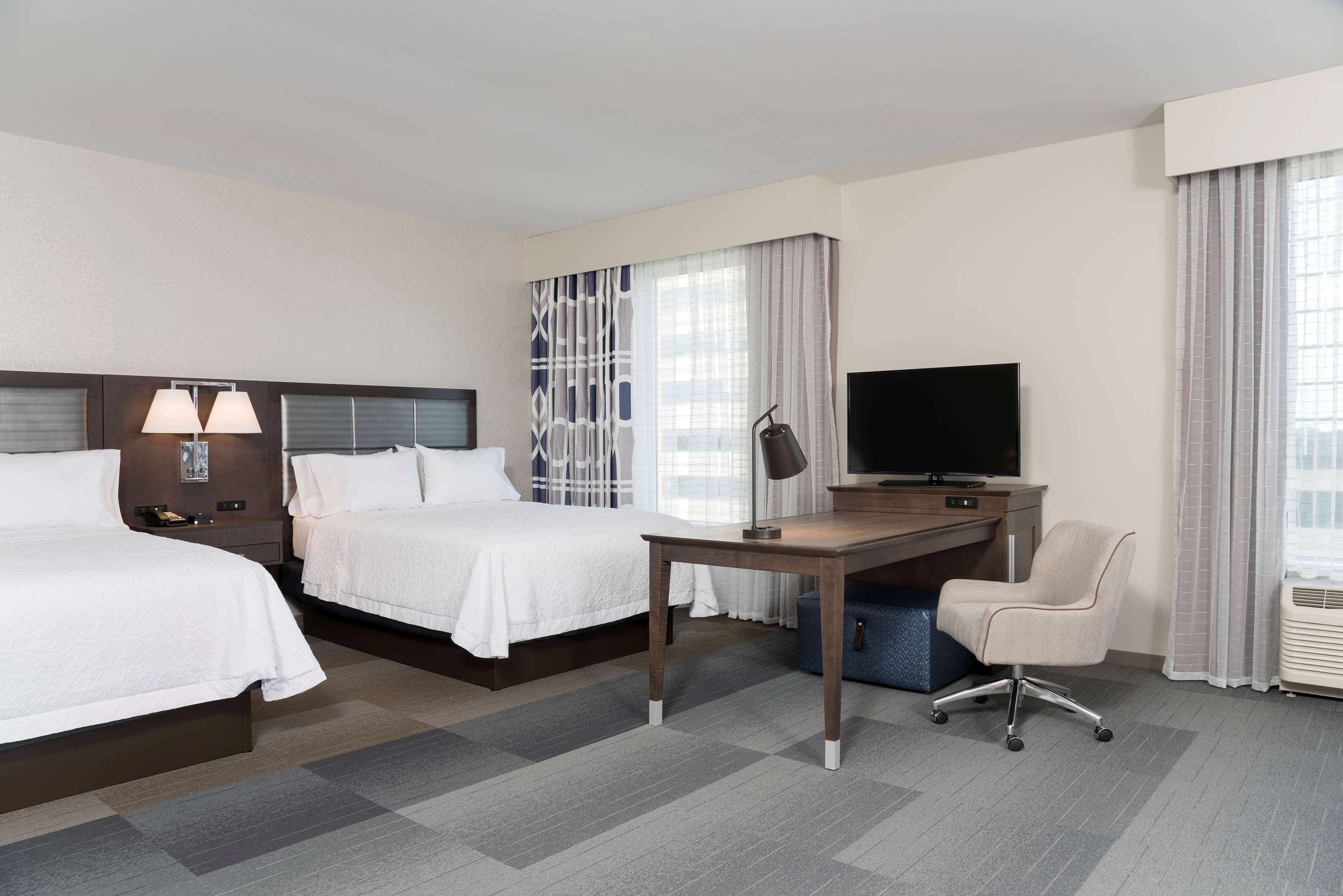 Hampton Inn & Suites Indianapolis-Keystone image 26