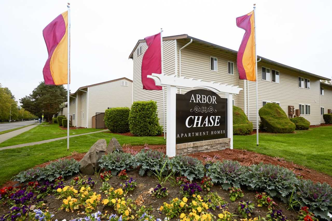Arbor Chase Apartment Homes image 0