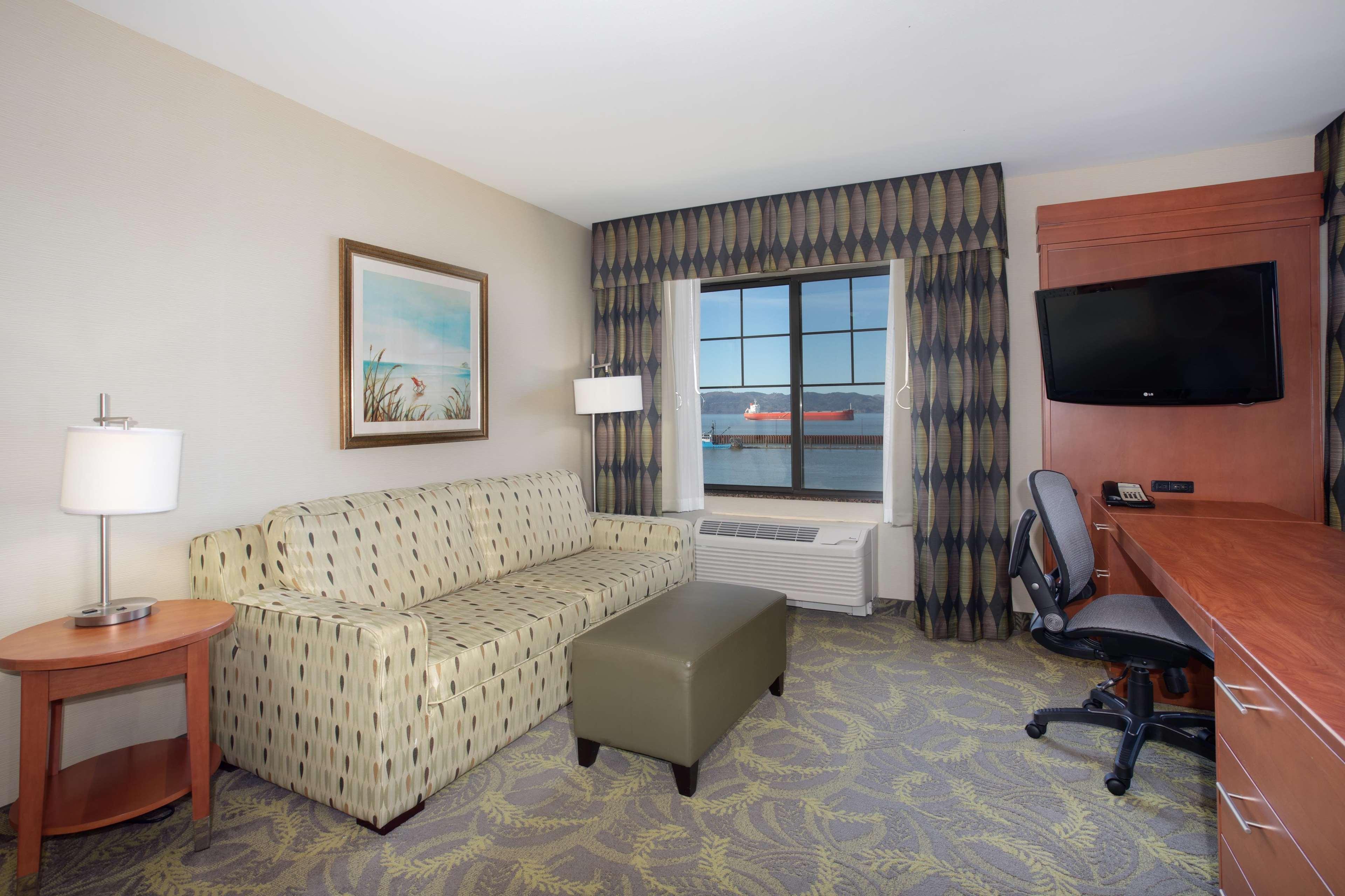 Hampton Inn & Suites Astoria image 35