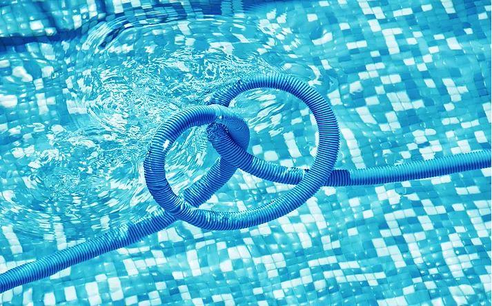Victor Hernandez Pools image 2