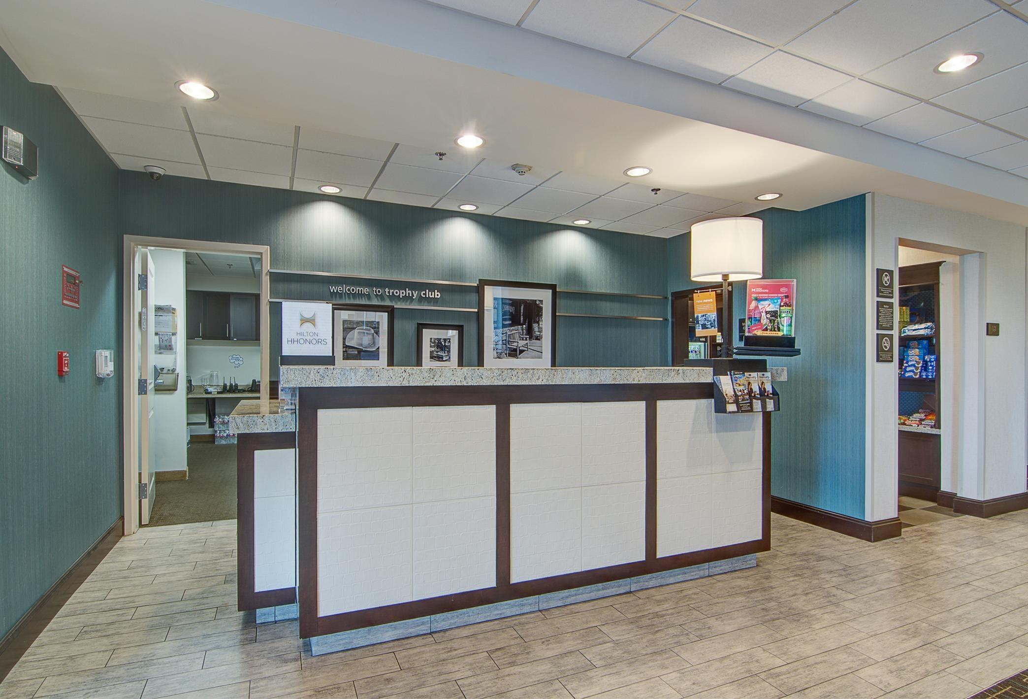 Hampton Inn & Suites Trophy Club - Fort Worth North image 2
