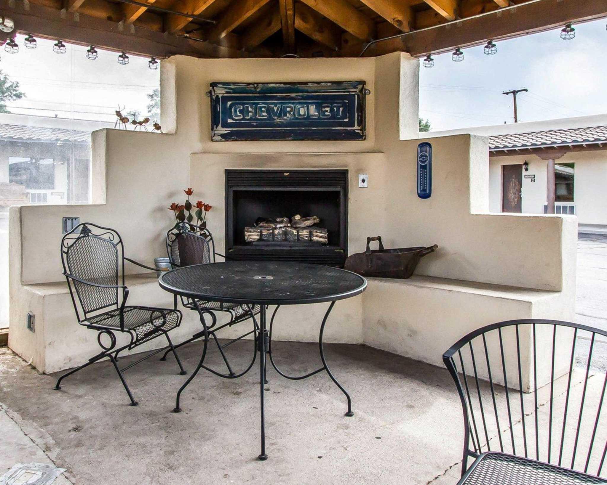 Rodeway Inn & Suites Downtowner-Rte 66 image 32