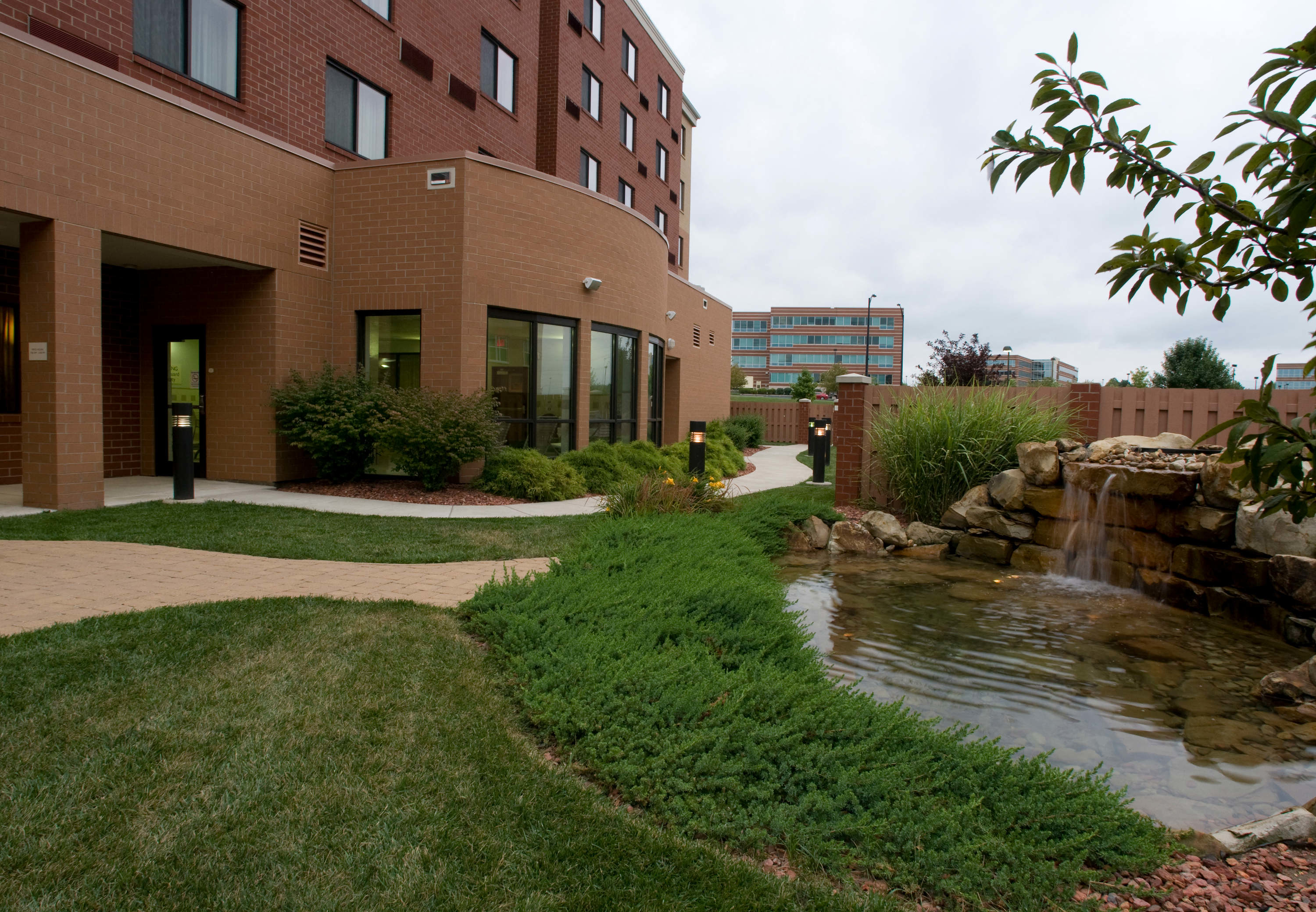 Courtyard by Marriott Cincinnati North at Union Centre image 3