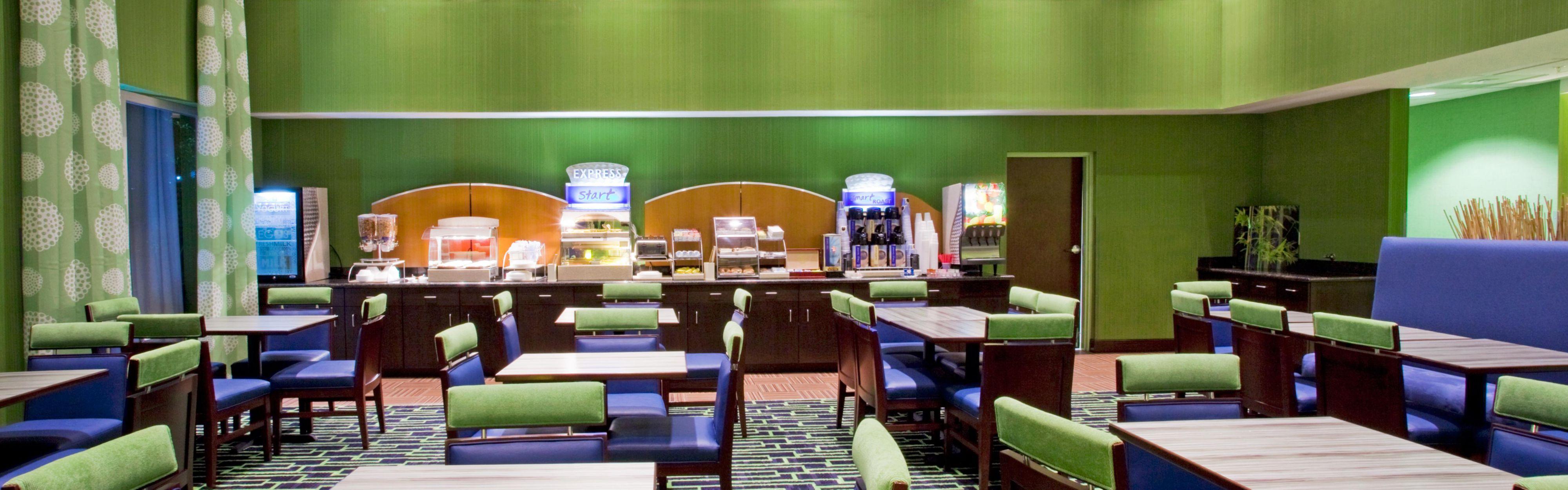 Holiday Inn Express & Suites Orlando - Apopka image 3