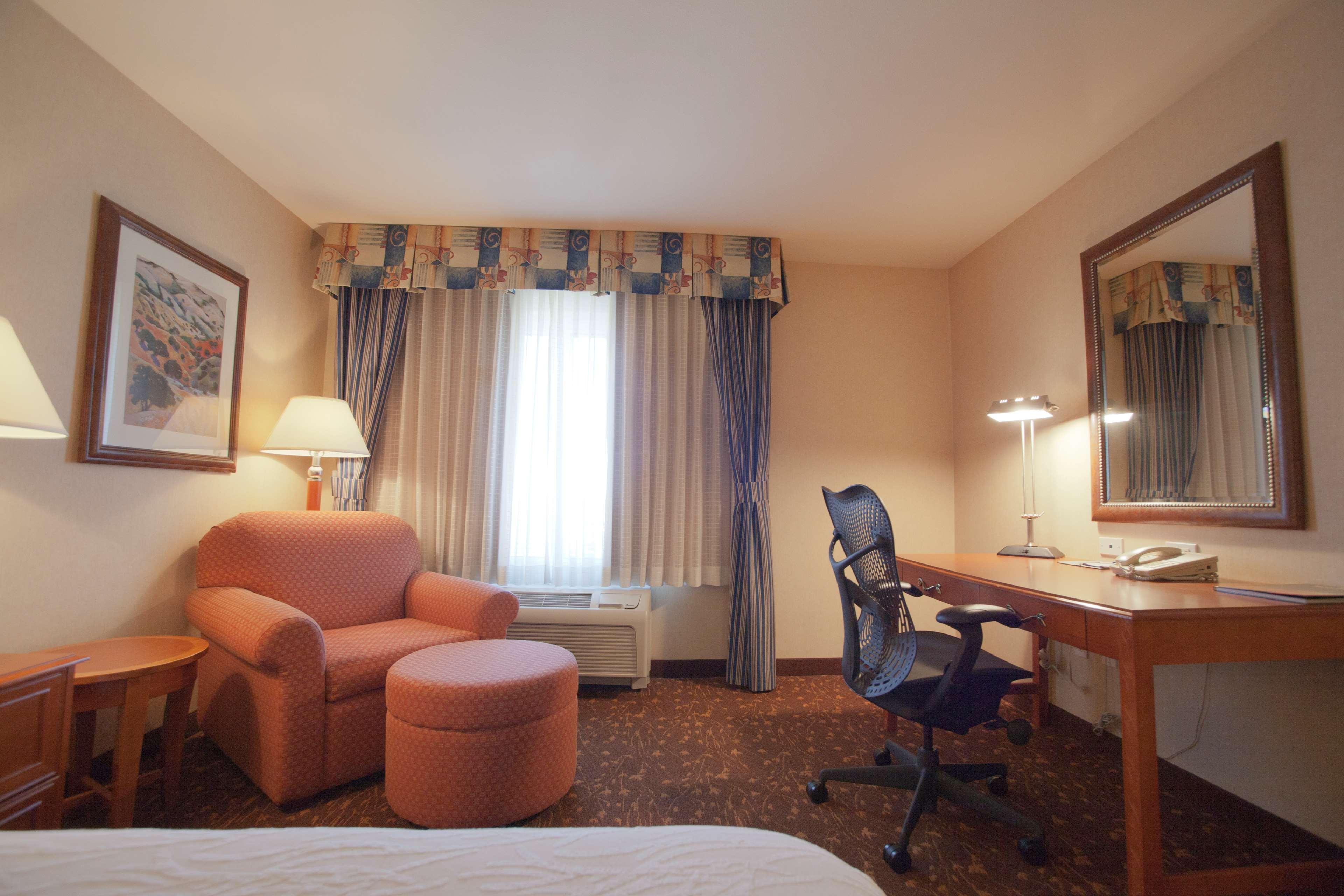Hilton Garden Inn Albuquerque/Journal Center image 17
