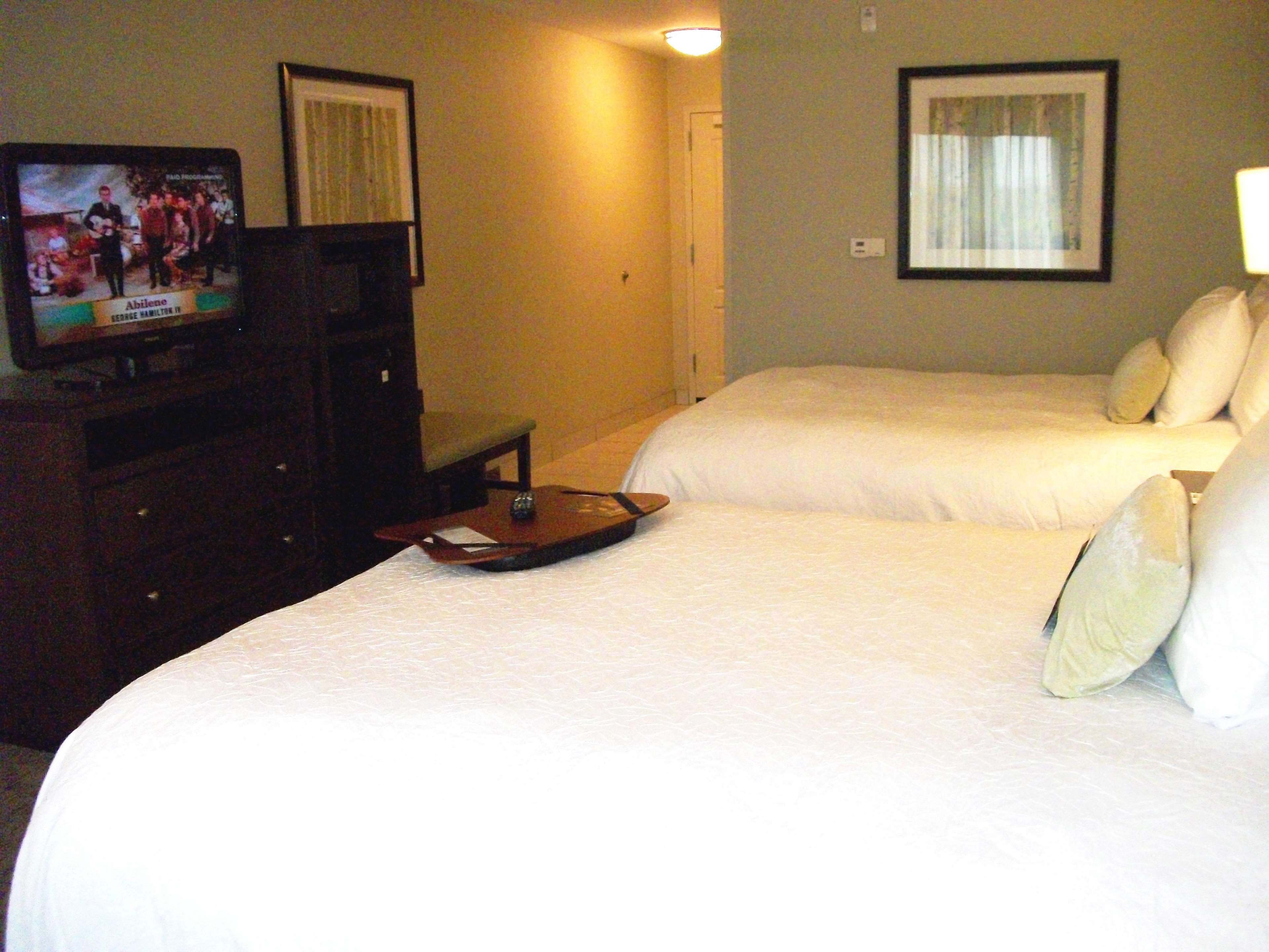 Hampton Inn & Suites Manteca image 45