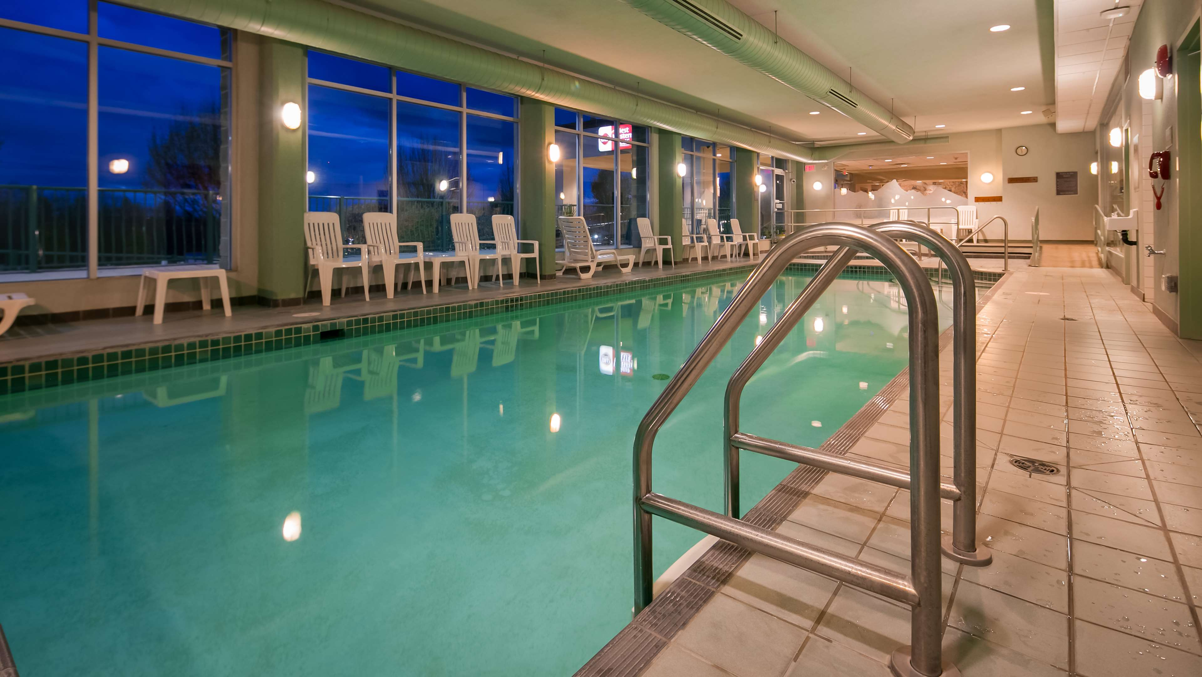 Best Western Plus Mission City Lodge in Mission: Indoor Pool