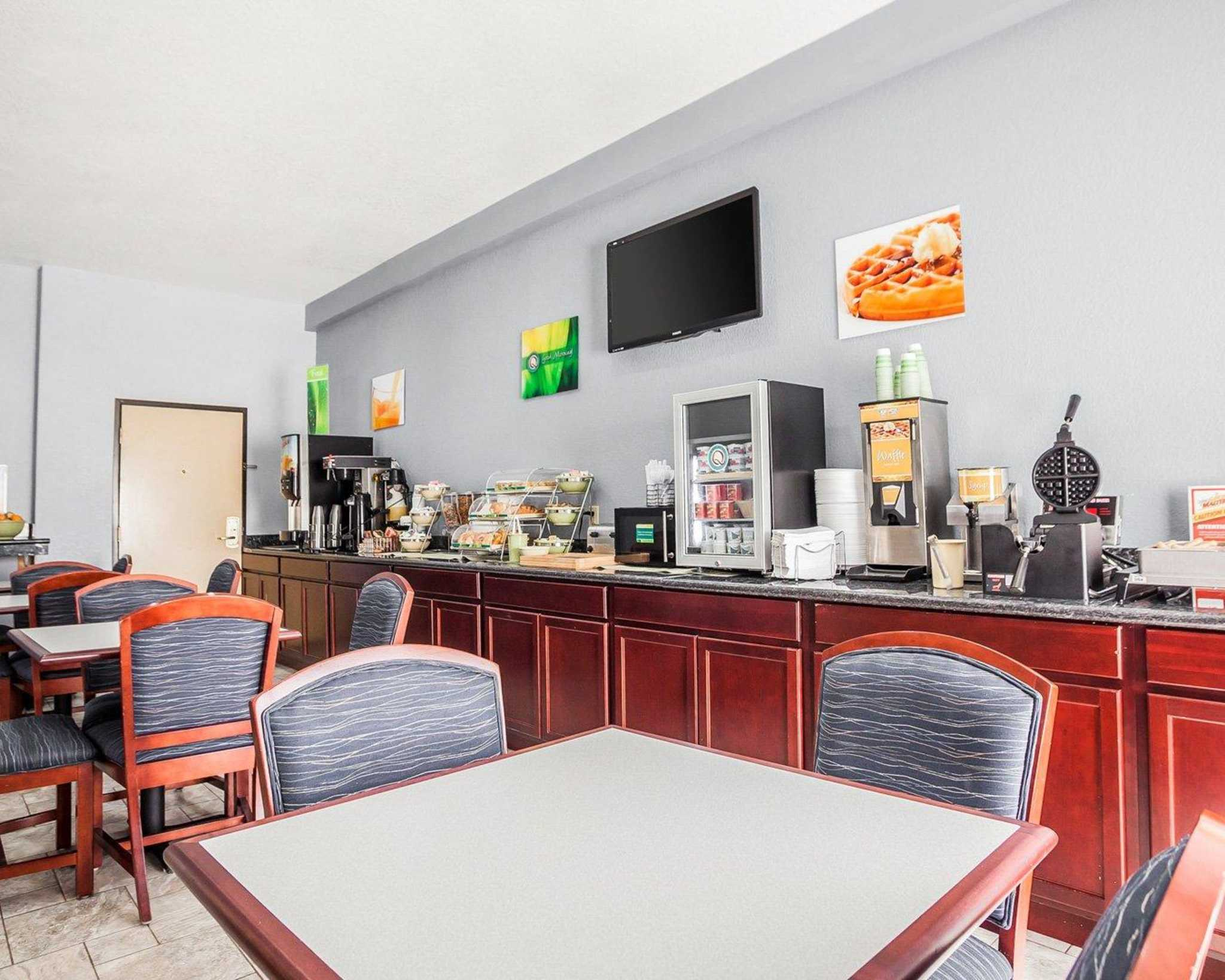 Quality Inn & Suites Altoona - Des Moines image 21