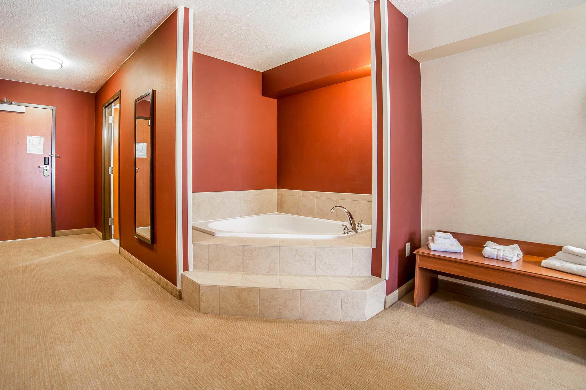 Comfort Inn Gateway to Glacier image 40