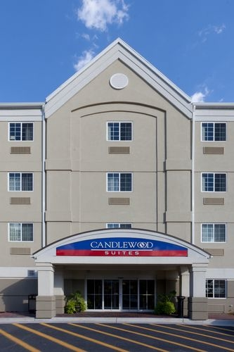 Candlewood Suites Winchester image 2