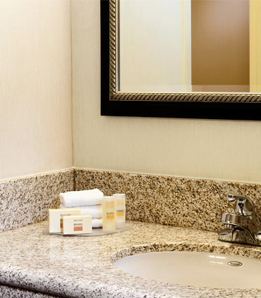 Courtyard by Marriott Houston Hobby Airport image 6