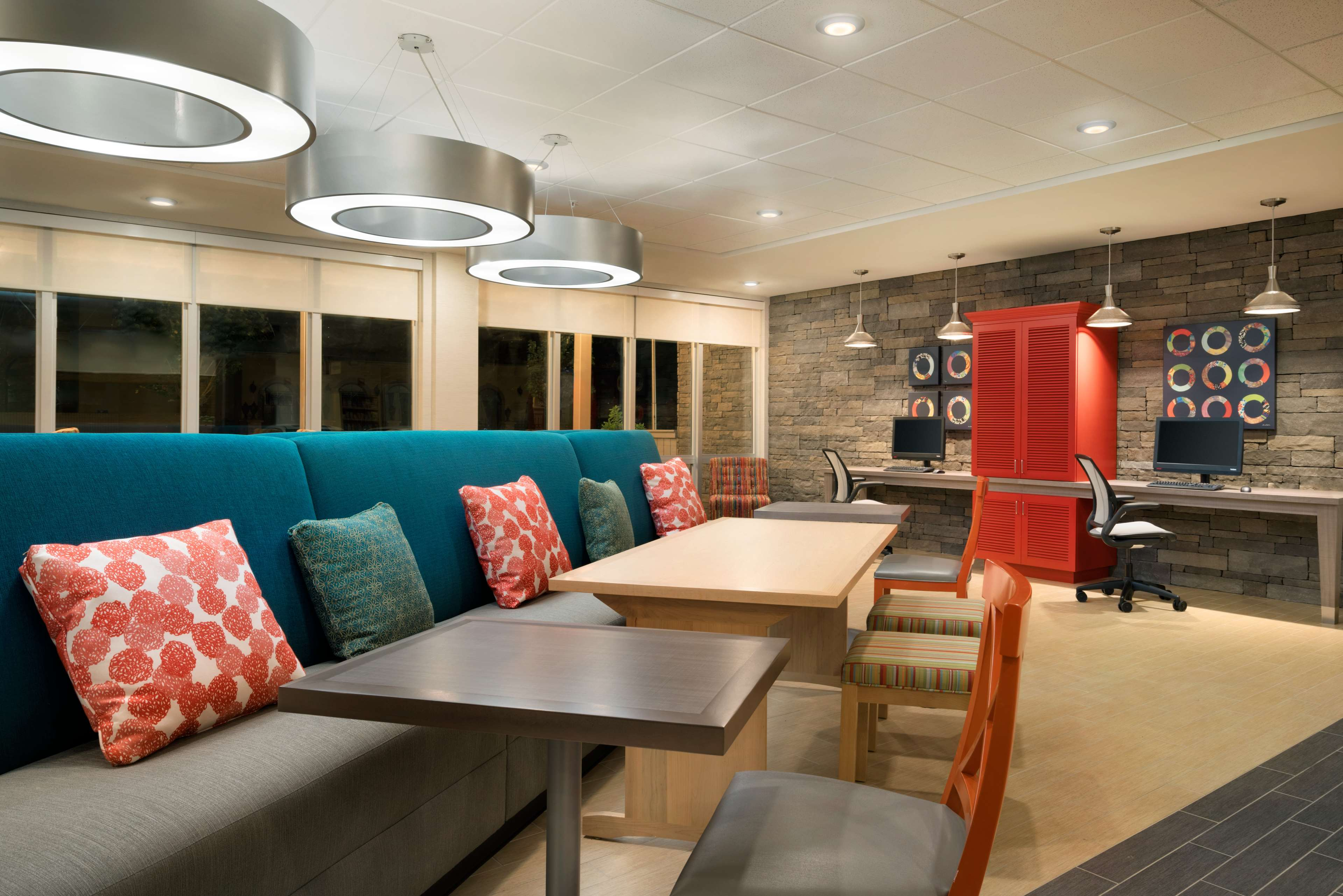 Home2 Suites by Hilton Roanoke image 7