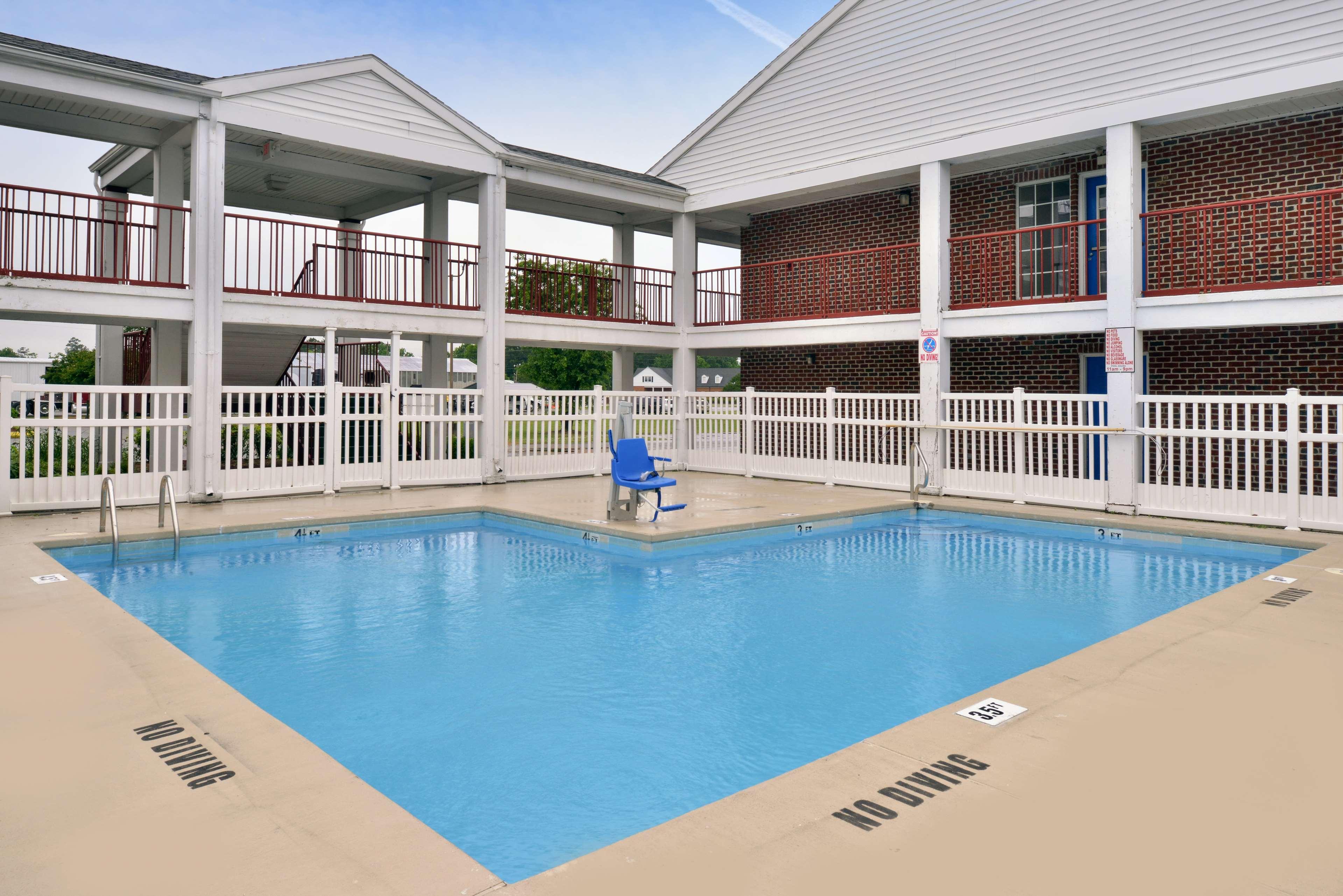 Americas Best Value Inn Edenton image 16