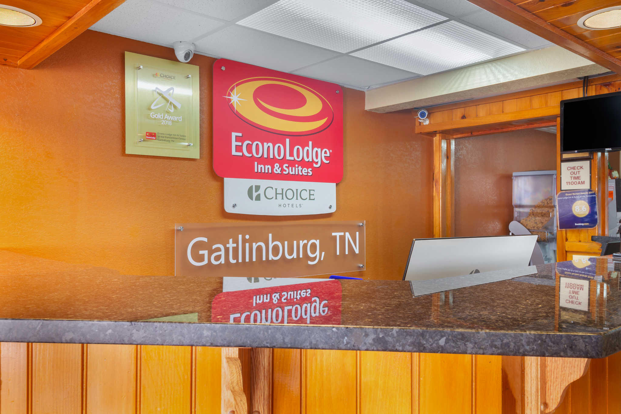 Econo Lodge Inn & Suites at the Convention Center image 8