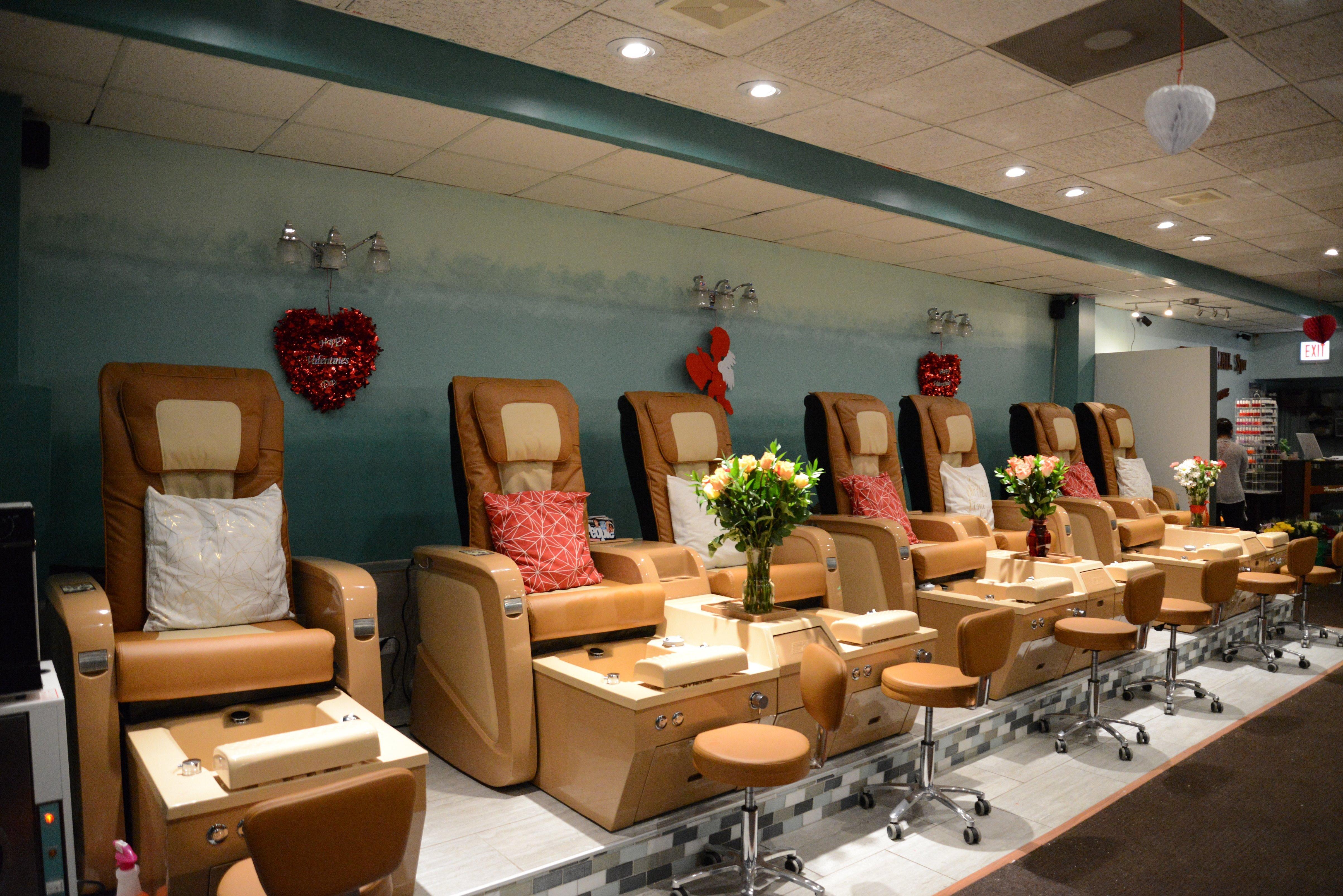Nail Salon Garden State Mall : Vickies nail salon at east superior street chicago il